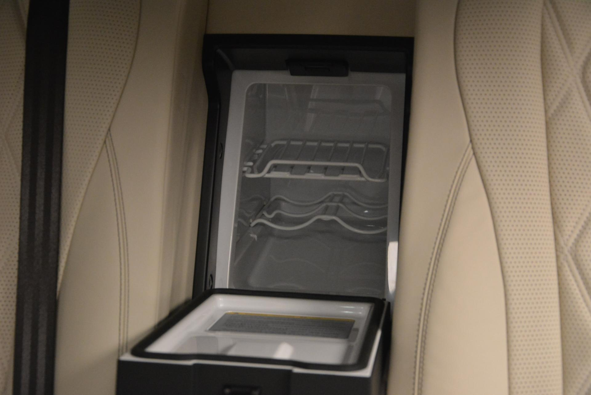 Used 2015 Bentley Flying Spur V8  For Sale In Westport, CT 509_p41