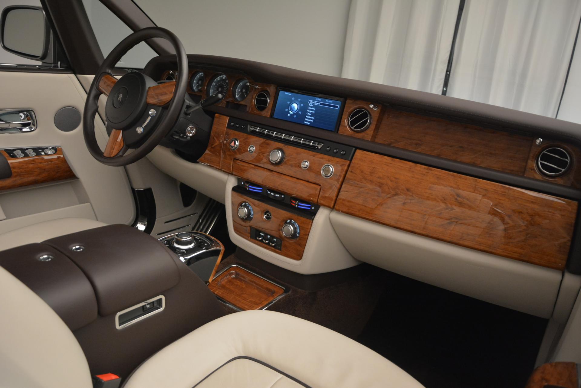 Used 2015 Rolls-Royce Phantom Drophead Coupe  For Sale In Westport, CT 554_p38