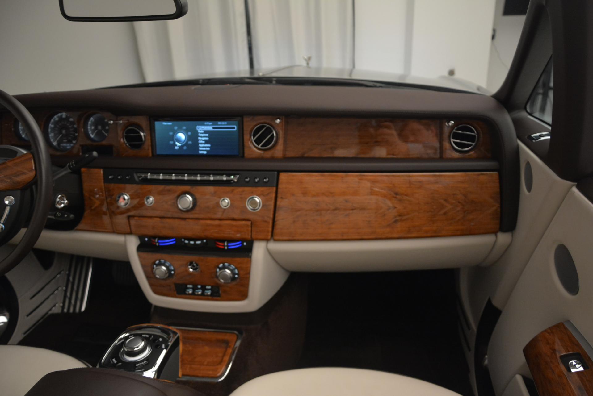 Used 2015 Rolls-Royce Phantom Drophead Coupe  For Sale In Westport, CT 554_p41