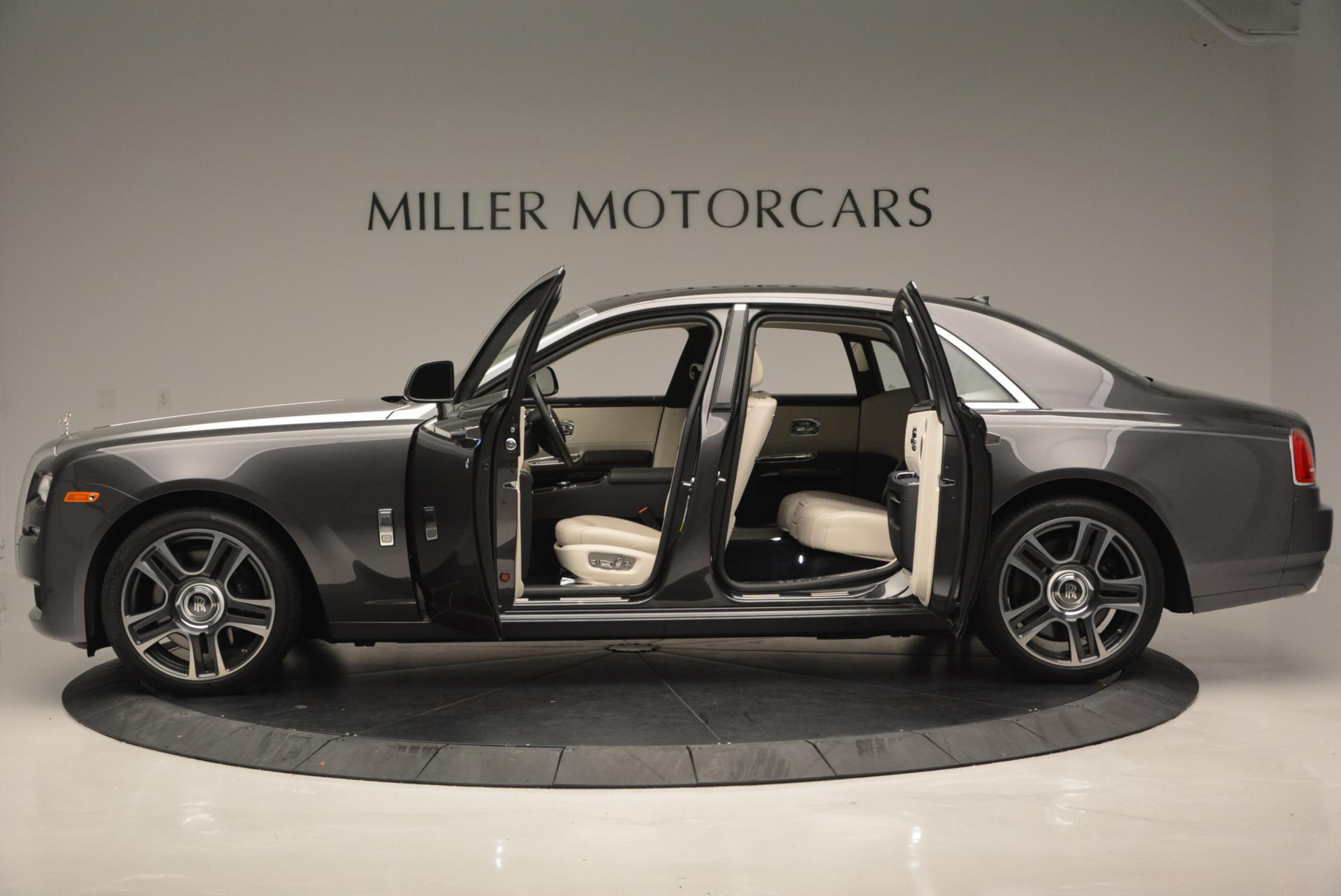 Used 2016 Rolls-Royce Ghost  For Sale In Westport, CT 557_p3