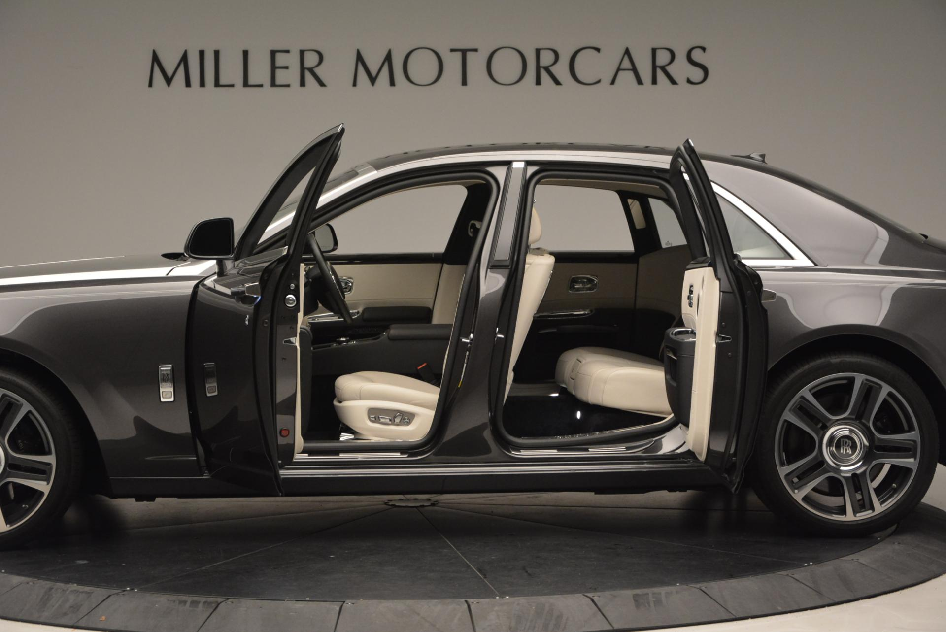 Used 2016 Rolls-Royce Ghost  For Sale In Westport, CT 557_p4
