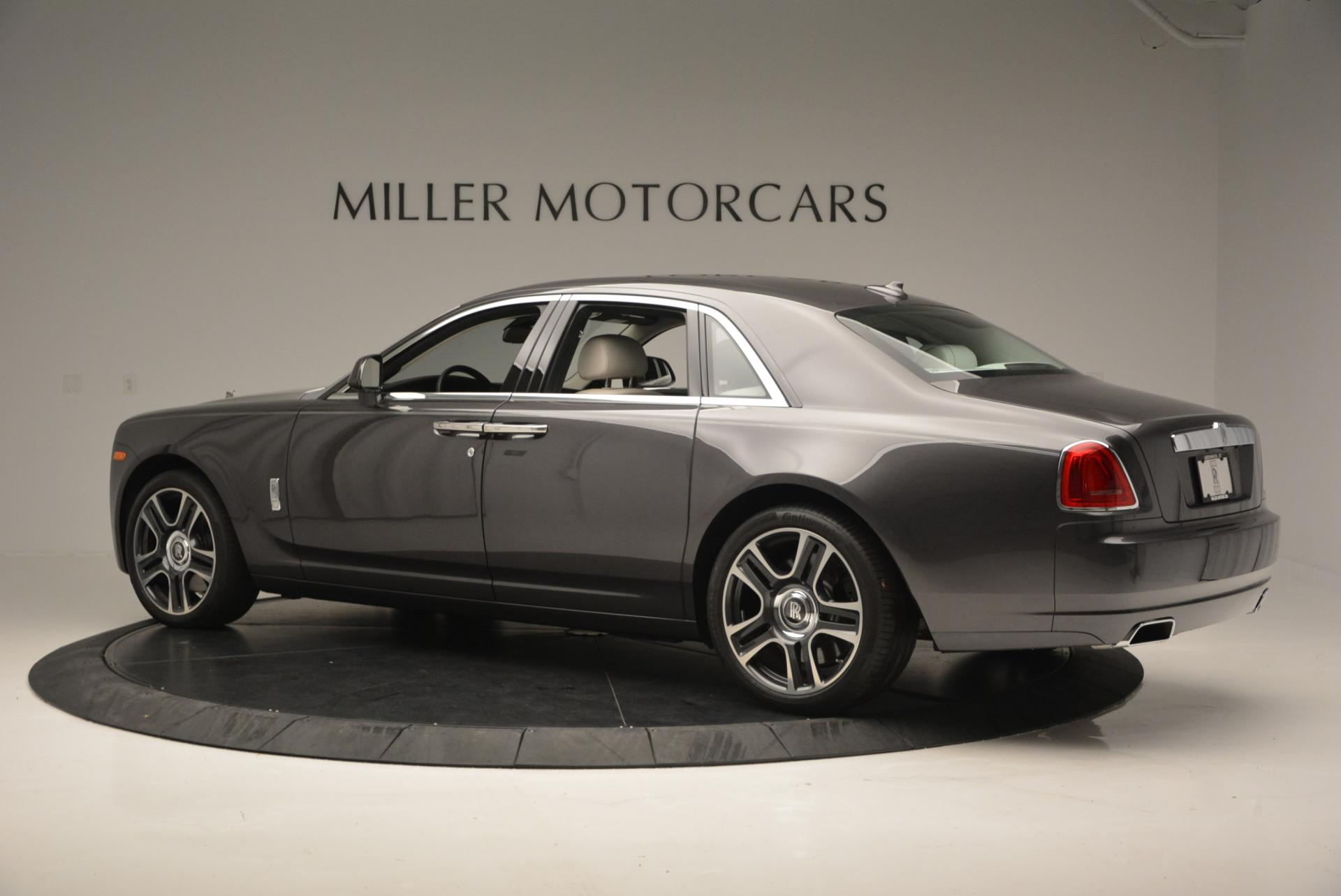 Used 2016 Rolls-Royce Ghost  For Sale In Westport, CT 557_p5