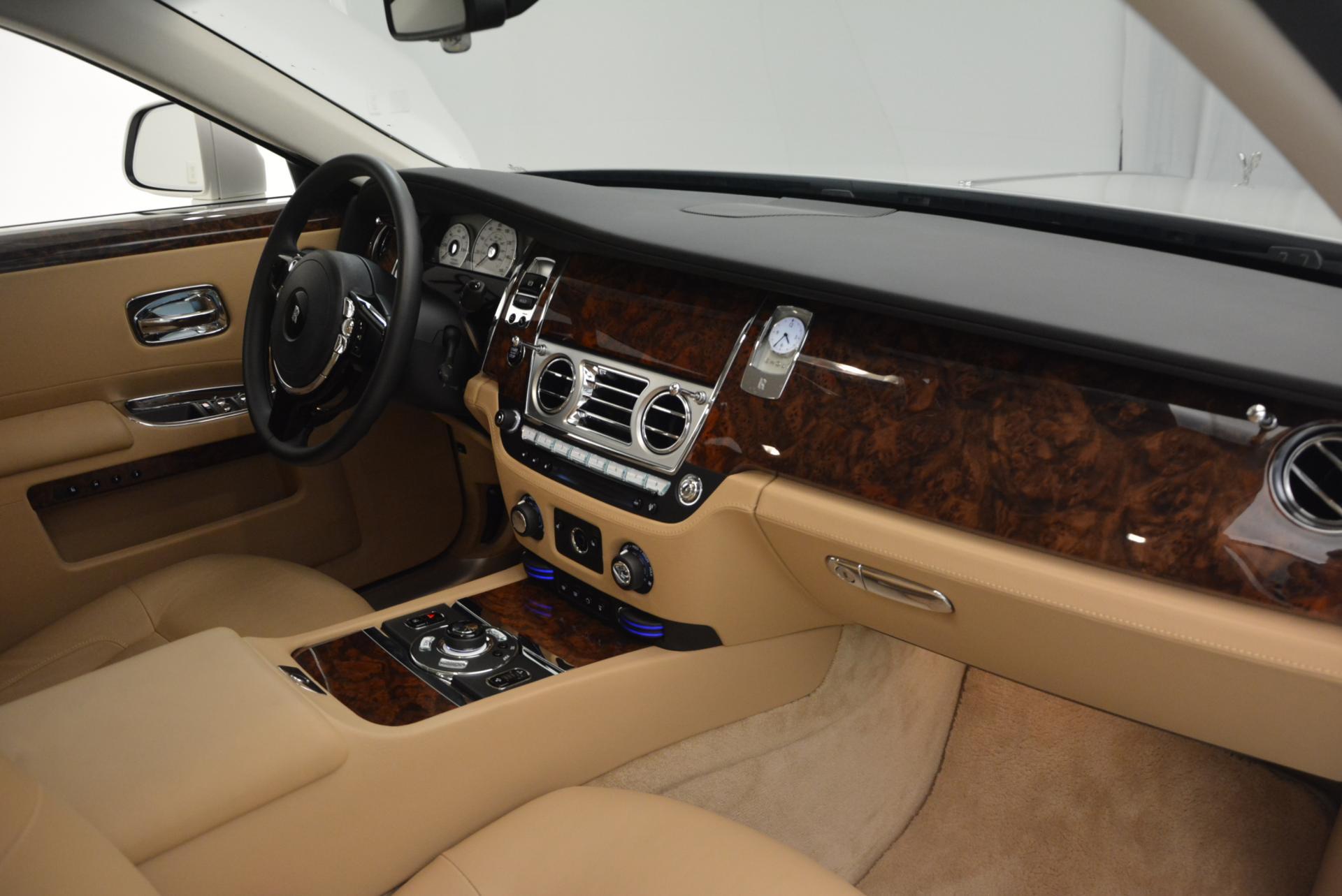 Used 2013 Rolls-Royce Ghost  For Sale In Westport, CT 558_p17