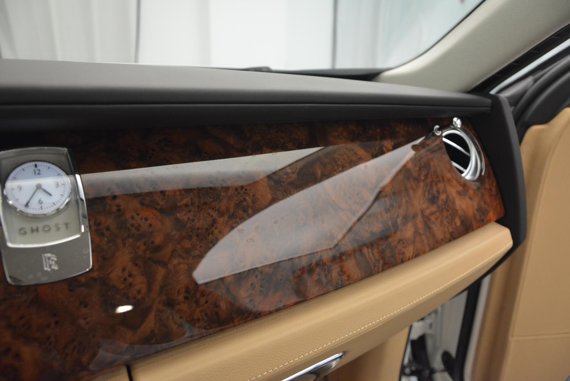 Used 2013 Rolls-Royce Ghost  For Sale In Westport, CT 558_p21