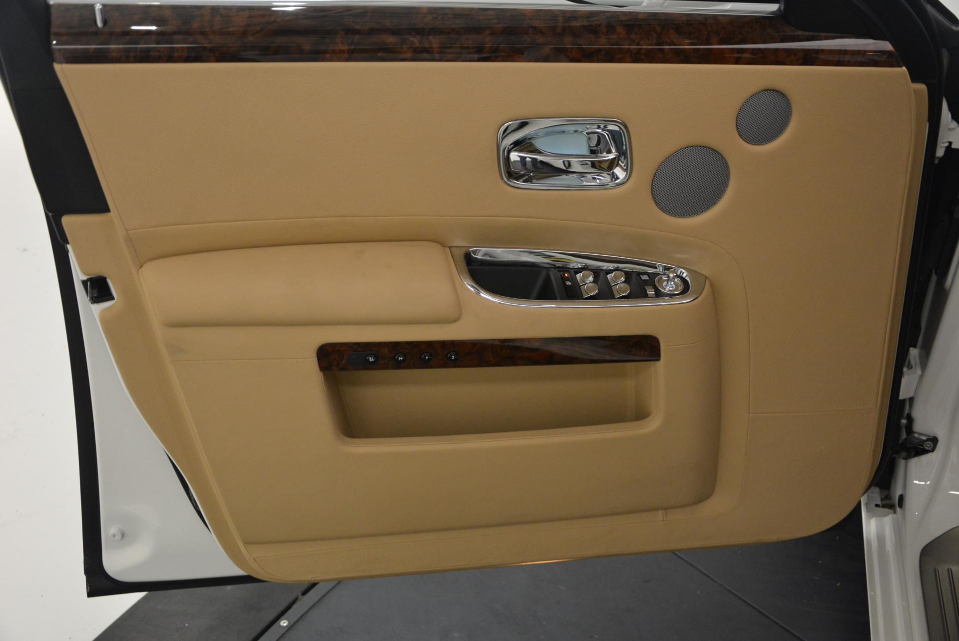 Used 2013 Rolls-Royce Ghost  For Sale In Westport, CT 558_p23