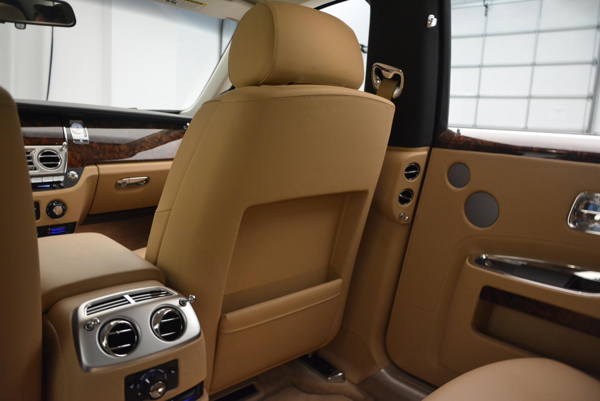 Used 2013 Rolls-Royce Ghost  For Sale In Westport, CT 558_p27