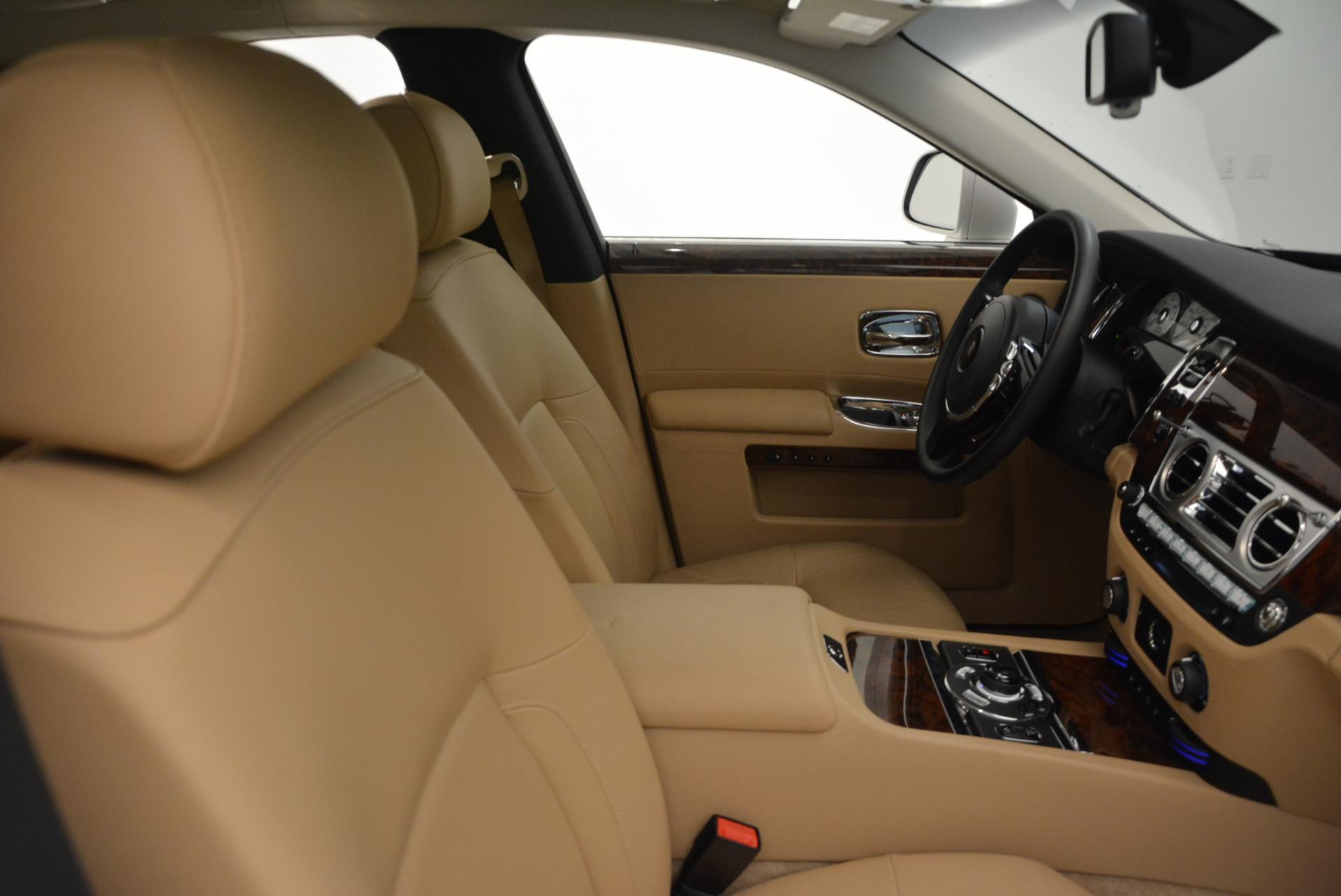 Used 2013 Rolls-Royce Ghost  For Sale In Westport, CT 558_p30
