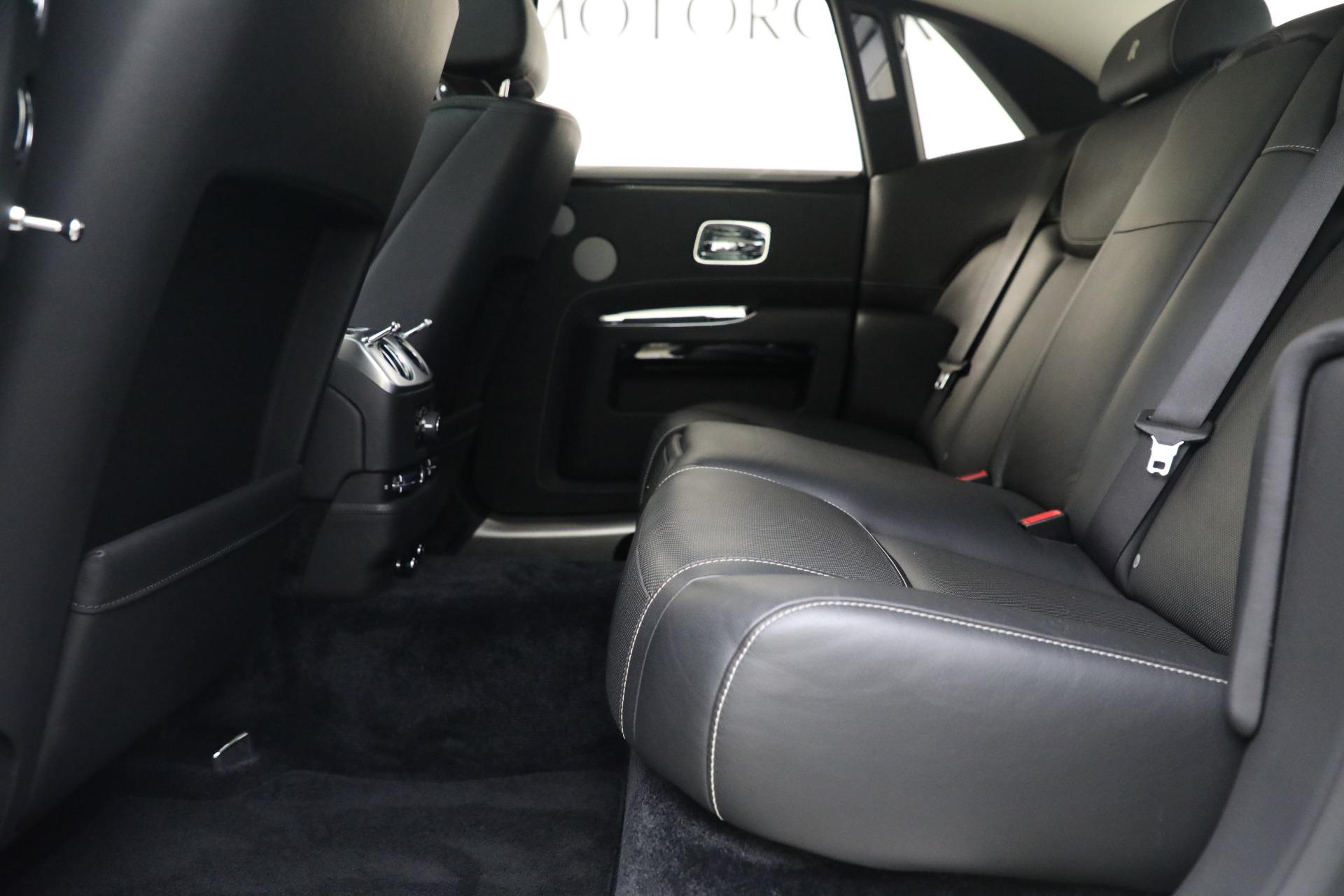 Used 2017 Rolls-Royce Ghost  For Sale In Westport, CT 560_p15