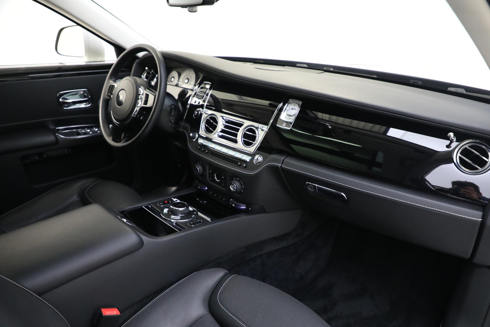 Used 2017 Rolls-Royce Ghost  For Sale In Westport, CT 560_p17