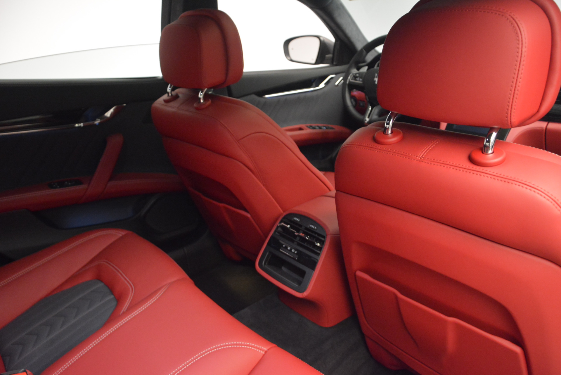 New 2017 Maserati Quattroporte S Q4 GranLusso For Sale In Westport, CT 585_p28