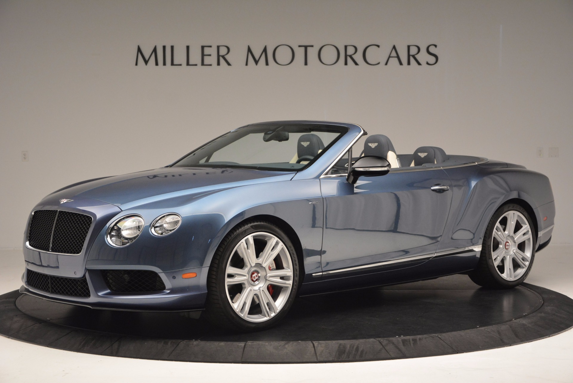 Used 2014 Bentley Continental GT V8 S Convertible  For Sale In Westport, CT 600_p2