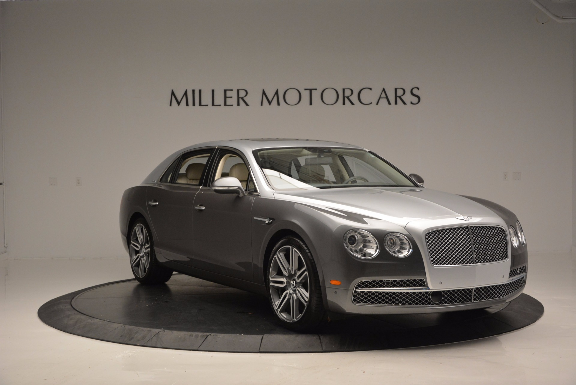 Used 2016 Bentley Flying Spur W12  For Sale In Westport, CT 617_p11