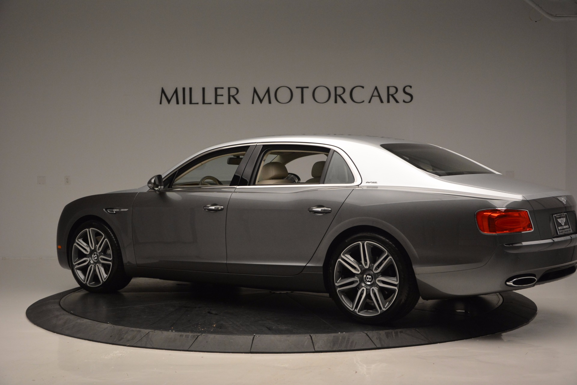 Used 2016 Bentley Flying Spur W12  For Sale In Westport, CT 617_p4