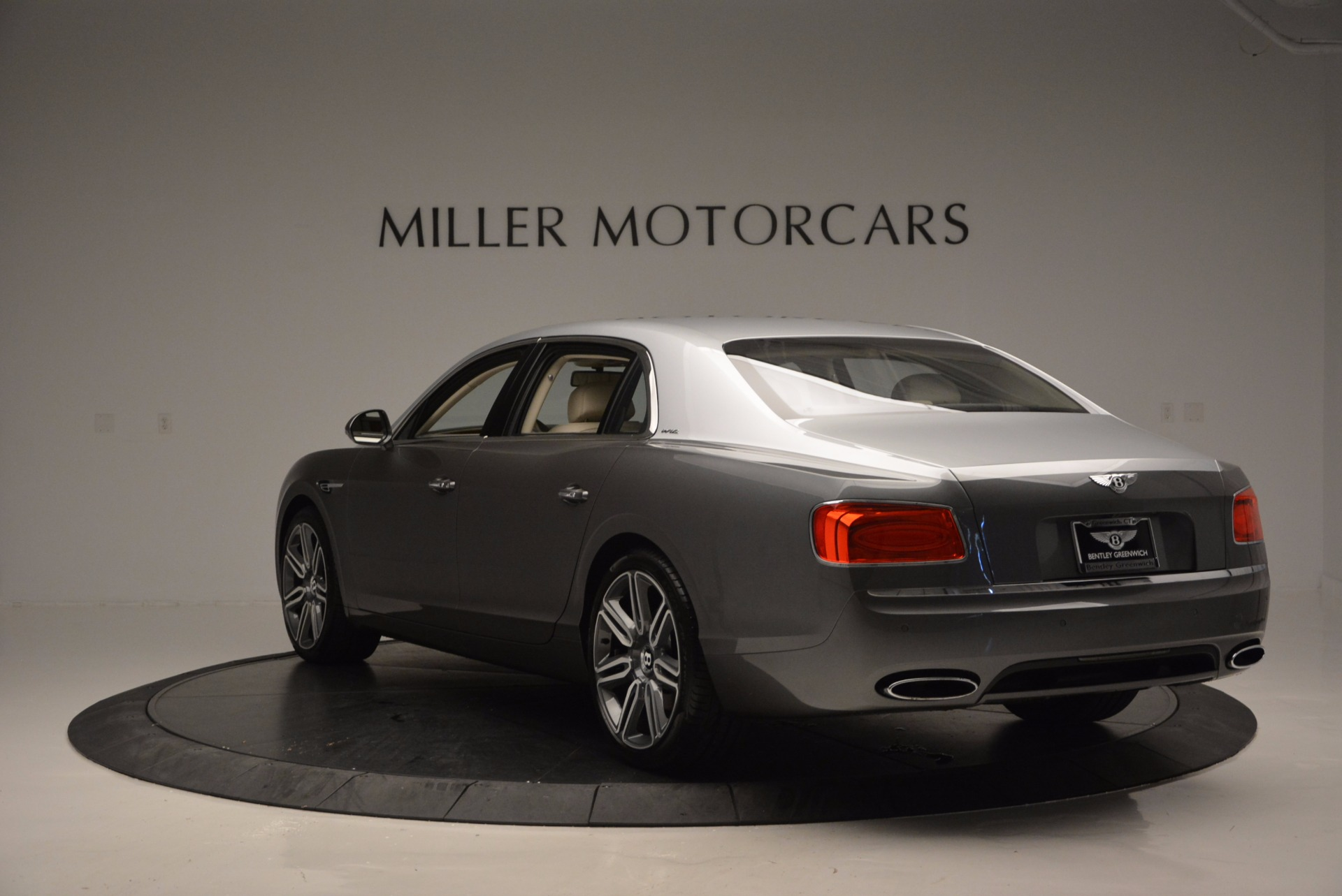 Used 2016 Bentley Flying Spur W12  For Sale In Westport, CT 617_p5