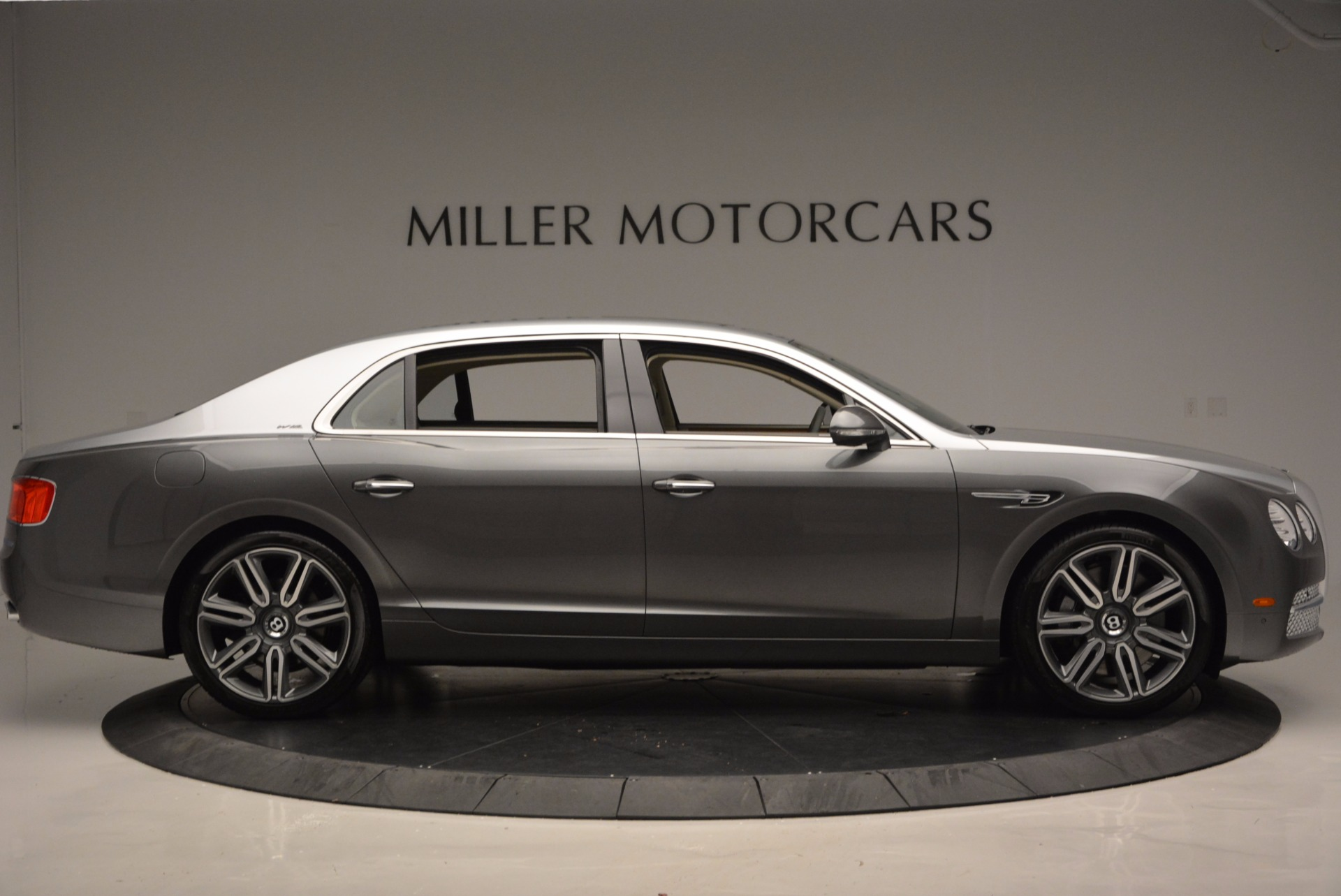 Used 2016 Bentley Flying Spur W12  For Sale In Westport, CT 617_p9