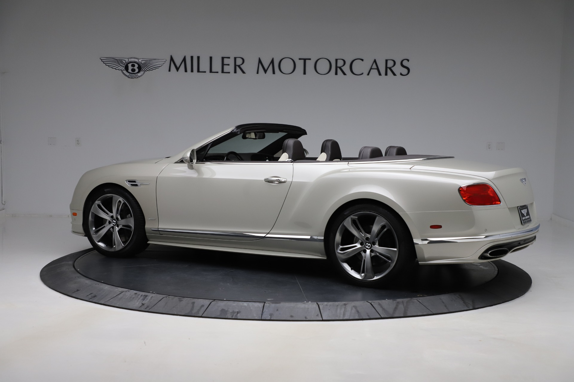Used 2016 Bentley Continental GT Speed Convertible  For Sale In Westport, CT 619_p4