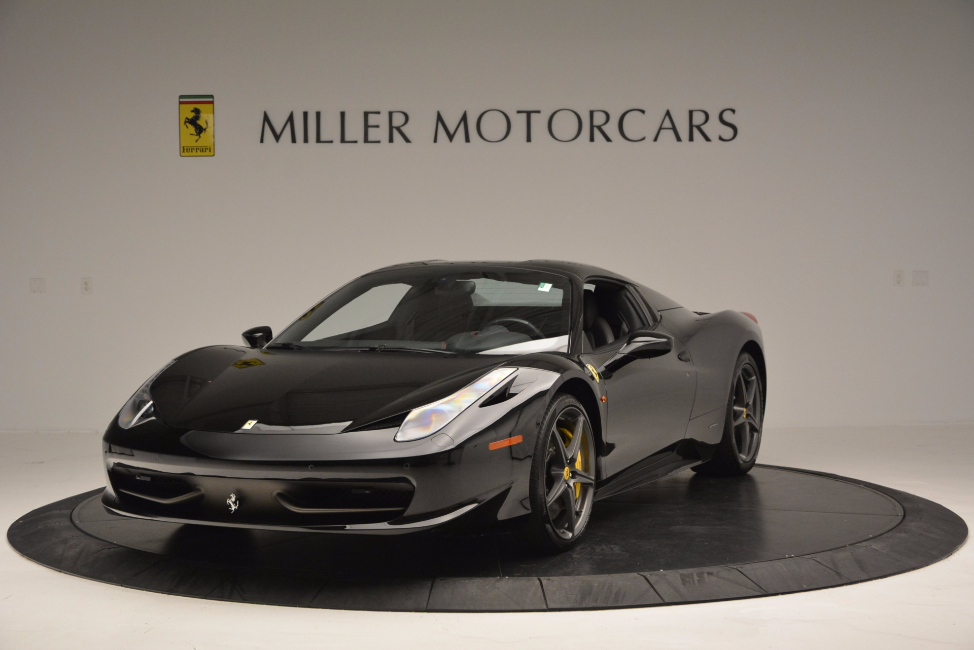 Used 2014 Ferrari 458 Spider  For Sale In Westport, CT 620_p13