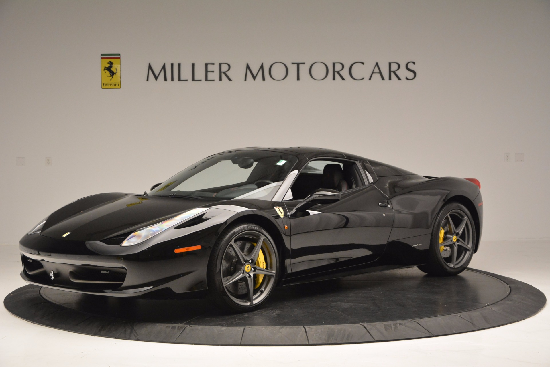 Used 2014 Ferrari 458 Spider  For Sale In Westport, CT 620_p14
