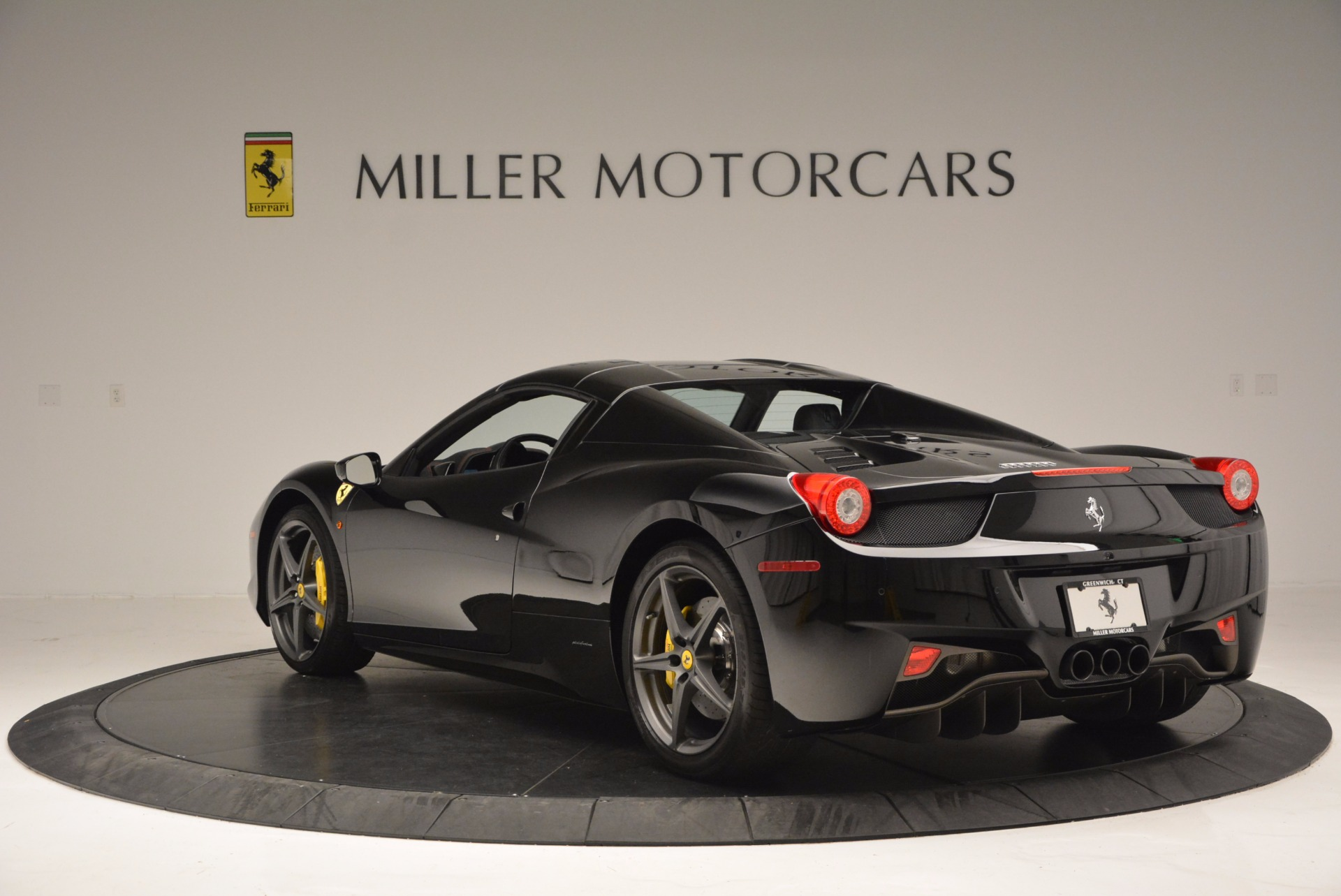 Used 2014 Ferrari 458 Spider  For Sale In Westport, CT 620_p17