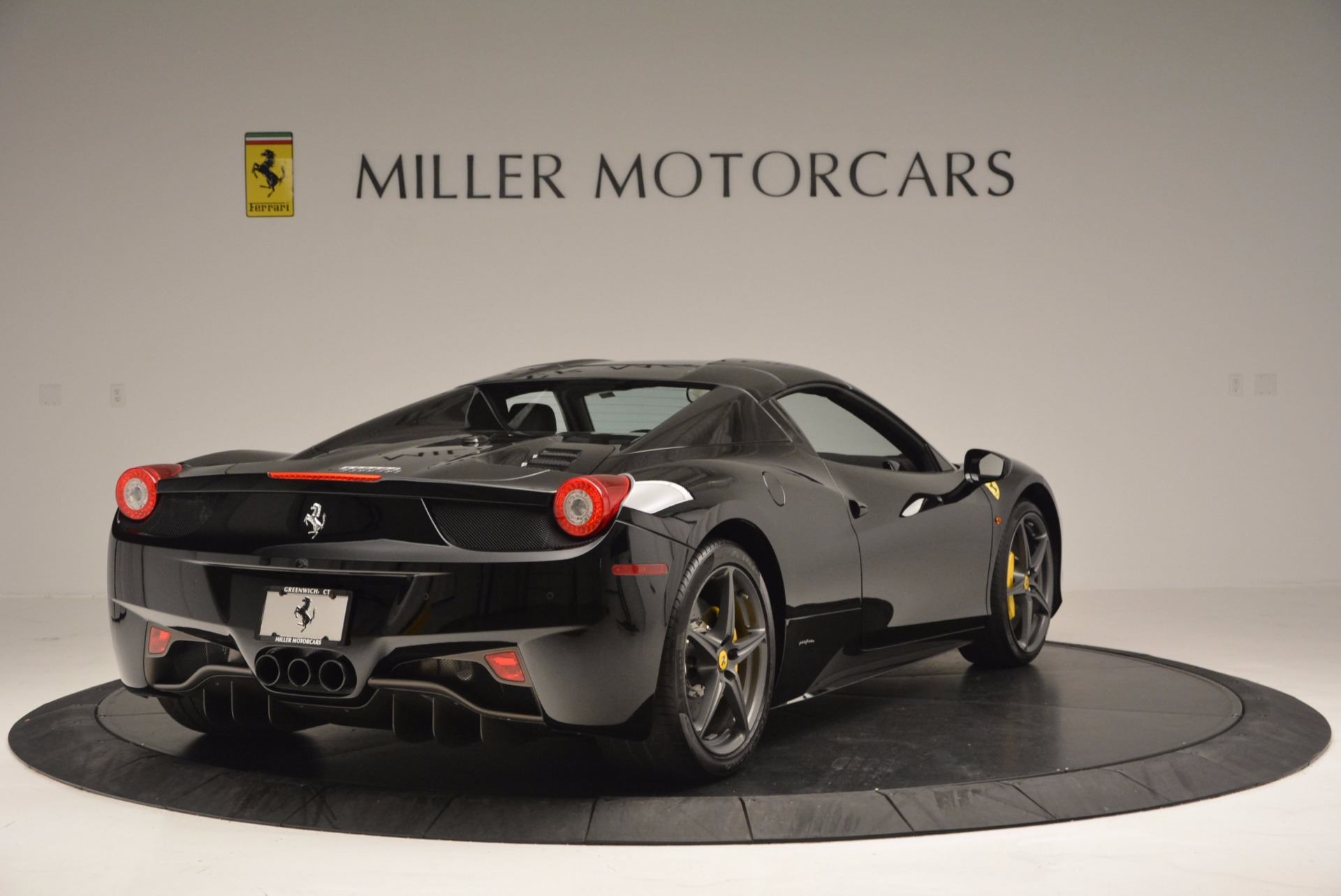 Used 2014 Ferrari 458 Spider  For Sale In Westport, CT 620_p19