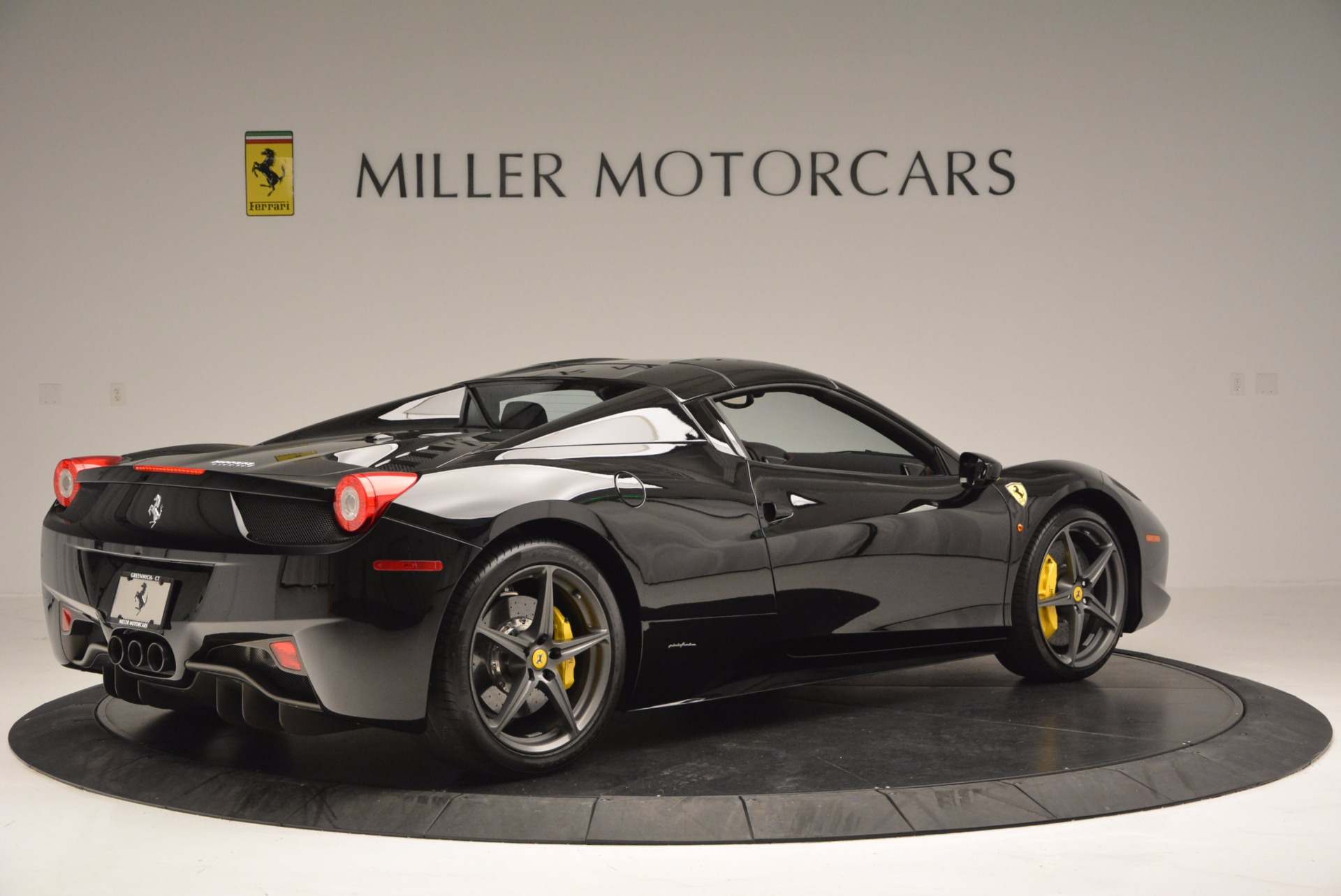 Used 2014 Ferrari 458 Spider  For Sale In Westport, CT 620_p20