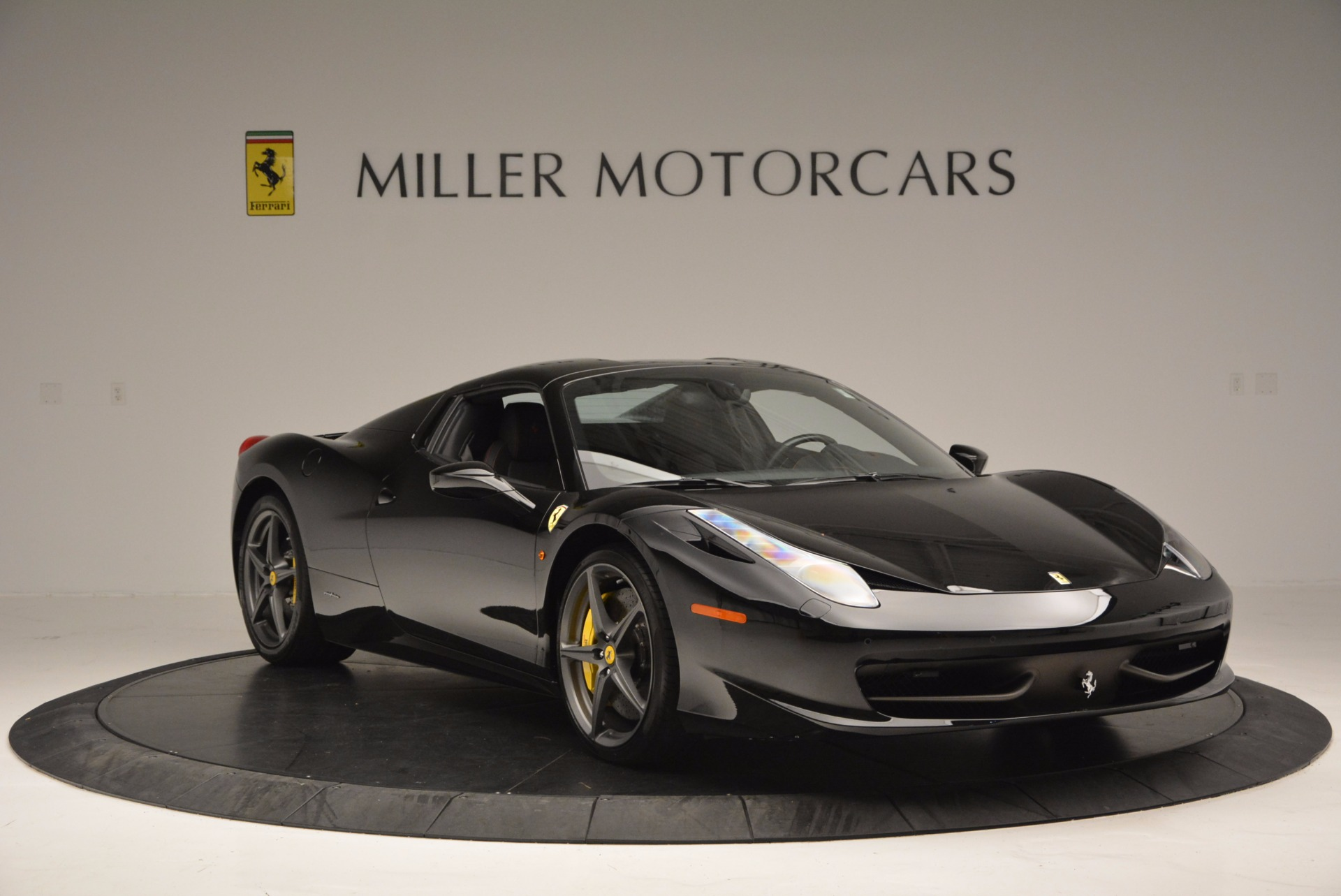Used 2014 Ferrari 458 Spider  For Sale In Westport, CT 620_p23