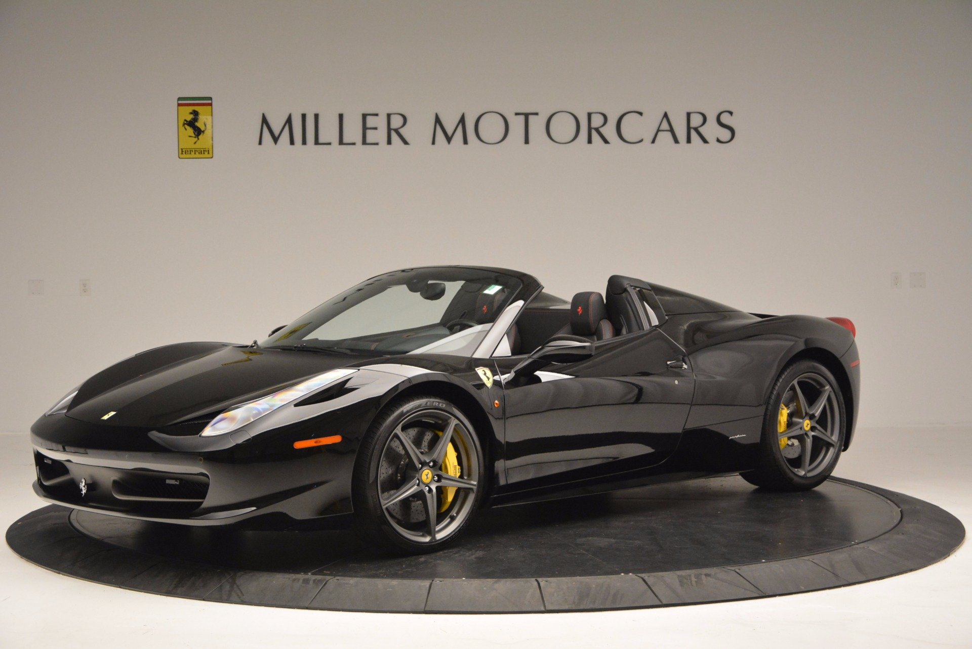 Used 2014 Ferrari 458 Spider  For Sale In Westport, CT 620_p2