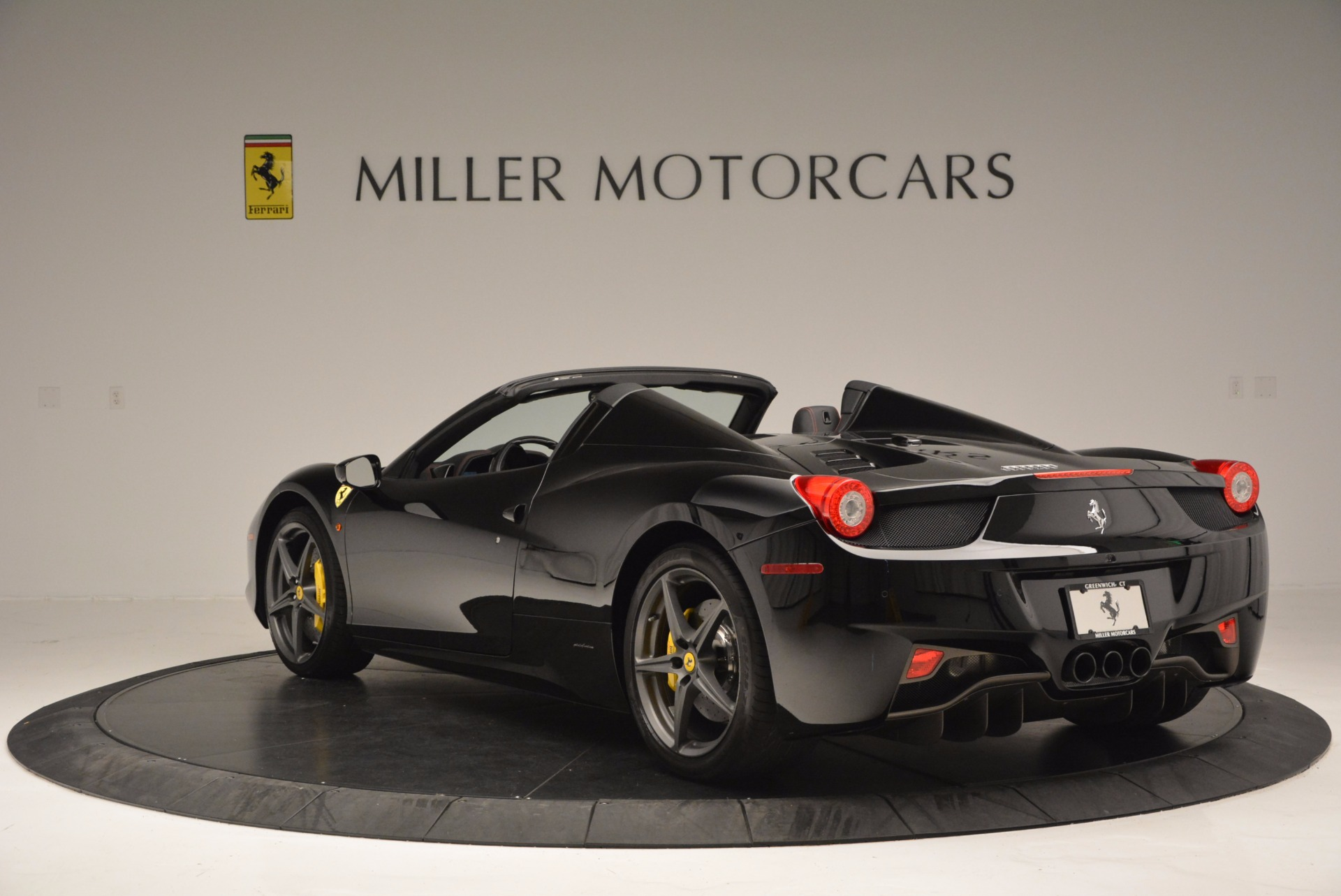 Used 2014 Ferrari 458 Spider  For Sale In Westport, CT 620_p5