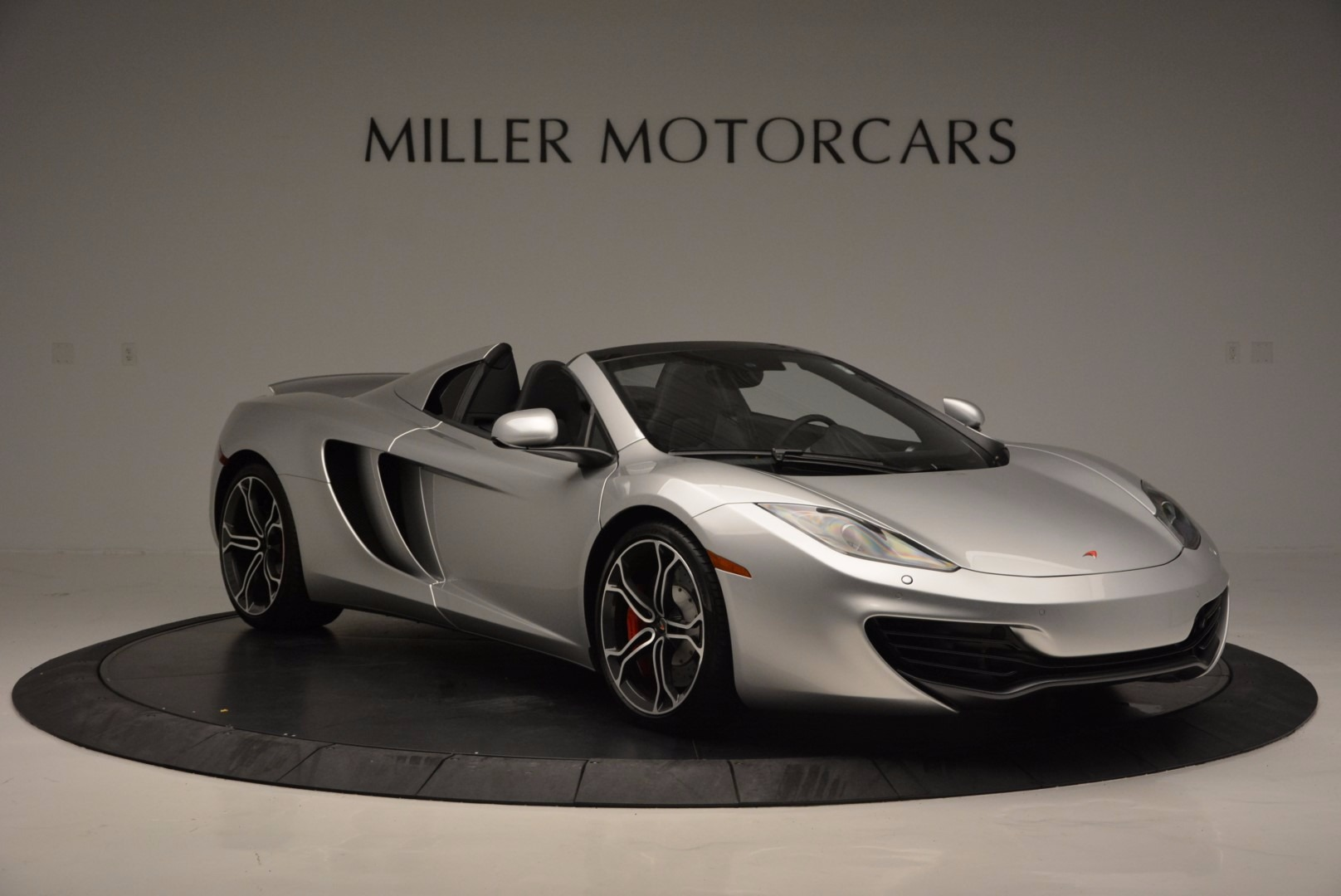 Used 2014 McLaren MP4-12C Spider  For Sale In Westport, CT 627_p10