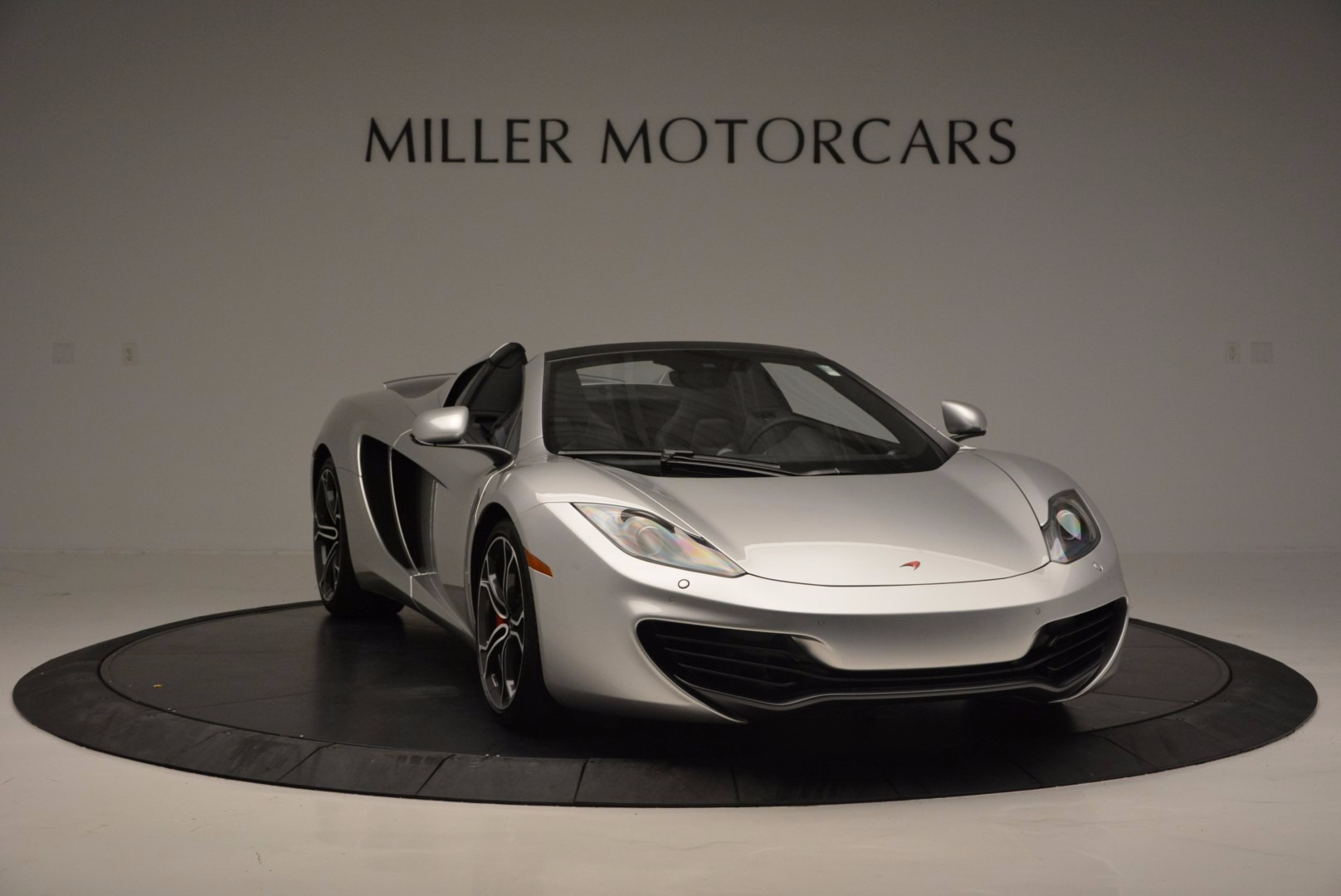 Used 2014 McLaren MP4-12C Spider  For Sale In Westport, CT 627_p11