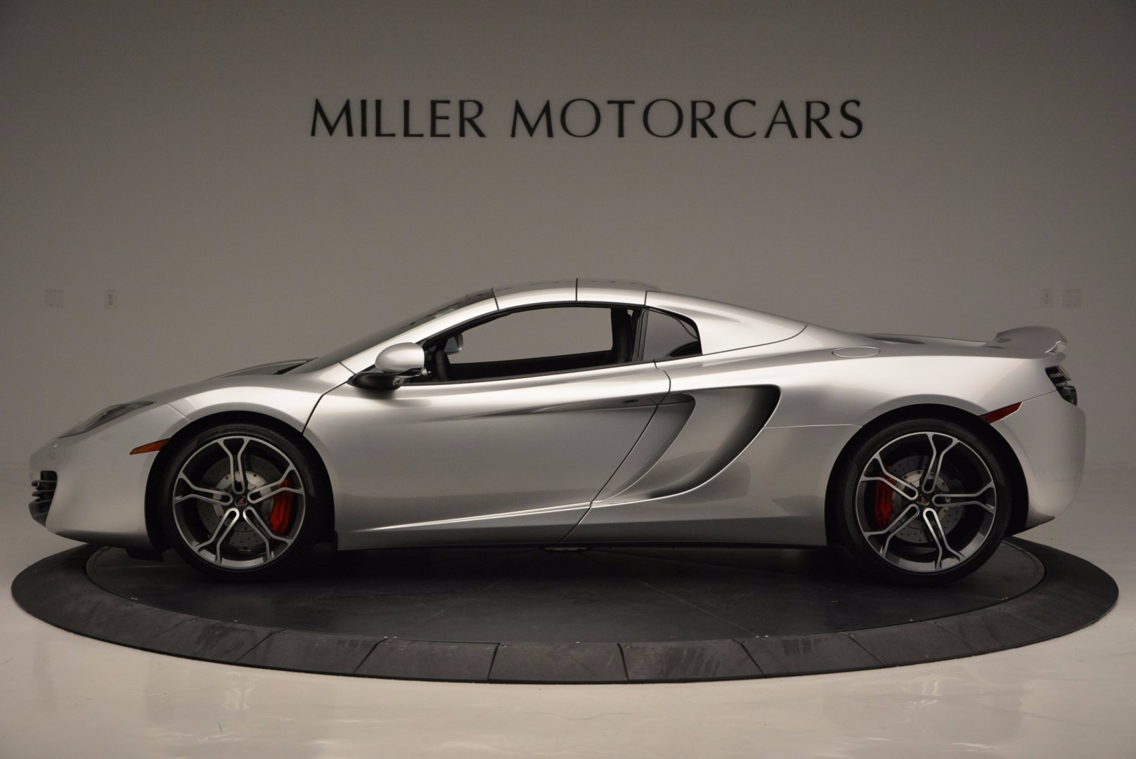 Used 2014 McLaren MP4-12C Spider  For Sale In Westport, CT 627_p16