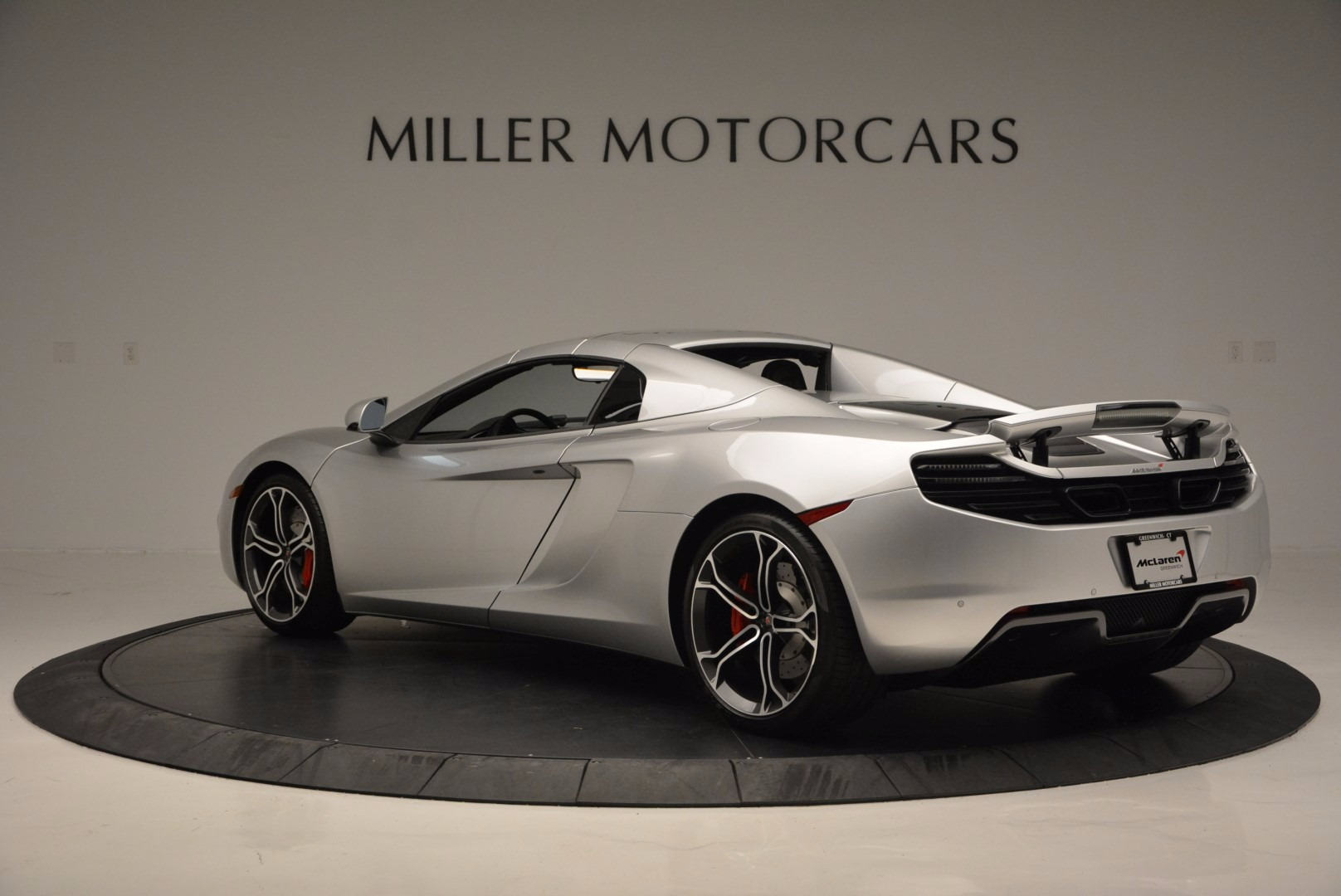 Used 2014 McLaren MP4-12C Spider  For Sale In Westport, CT 627_p17