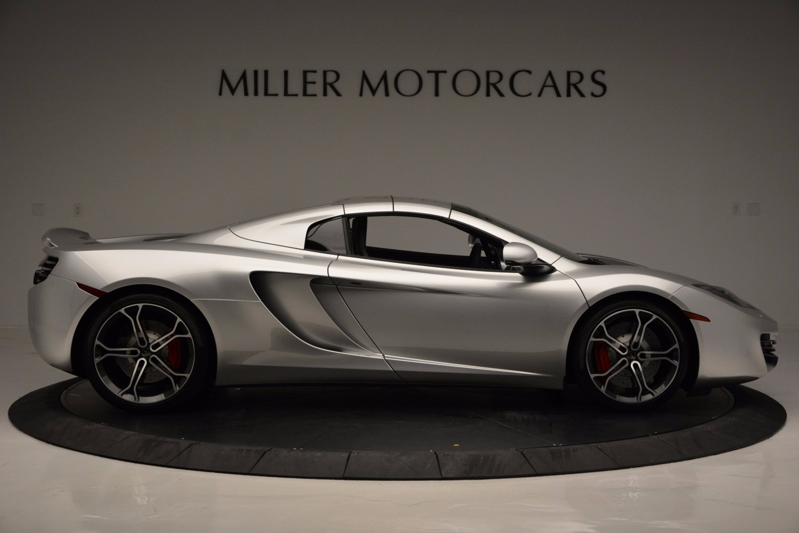 Used 2014 McLaren MP4-12C Spider  For Sale In Westport, CT 627_p20