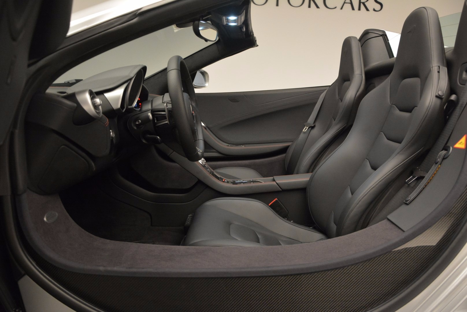 Used 2014 McLaren MP4-12C Spider  For Sale In Westport, CT 627_p23