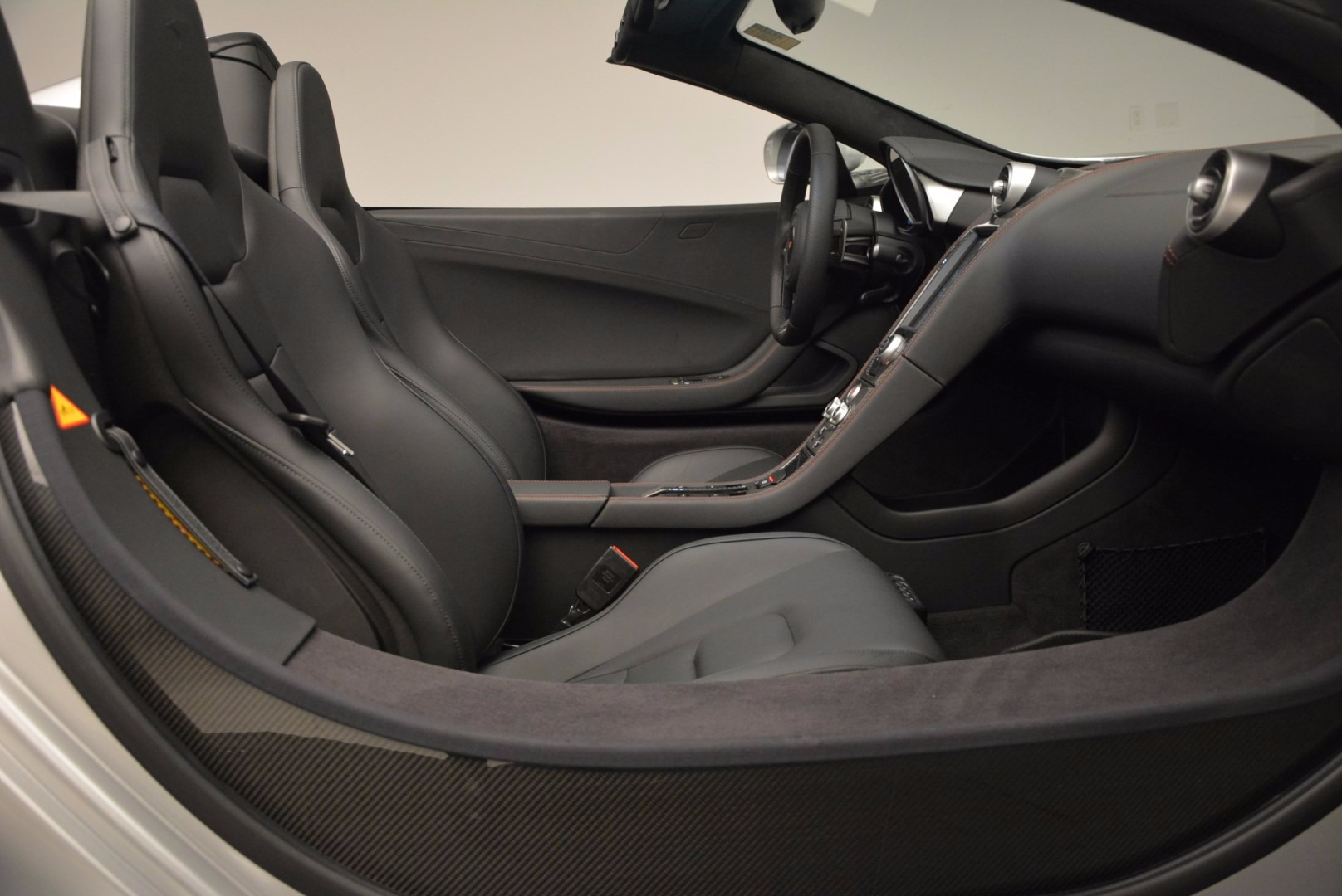 Used 2014 McLaren MP4-12C Spider  For Sale In Westport, CT 627_p27