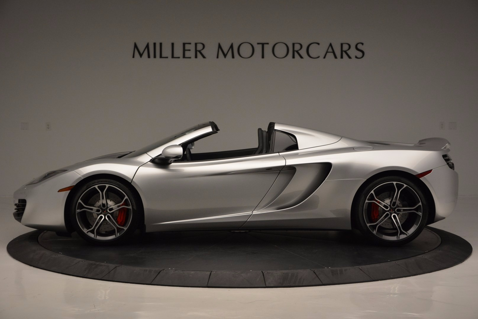 Used 2014 McLaren MP4-12C Spider  For Sale In Westport, CT 627_p3