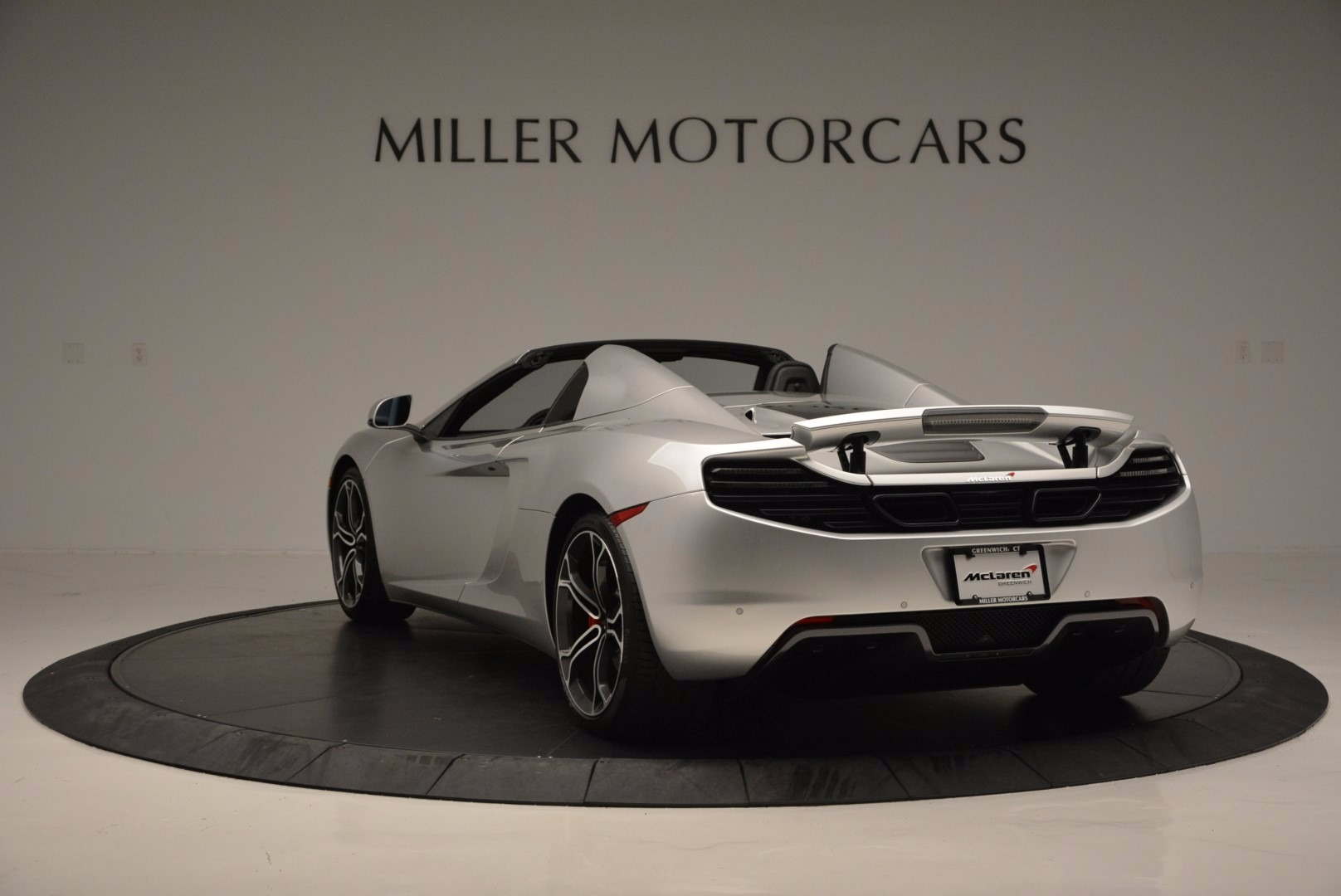 Used 2014 McLaren MP4-12C Spider  For Sale In Westport, CT 627_p5