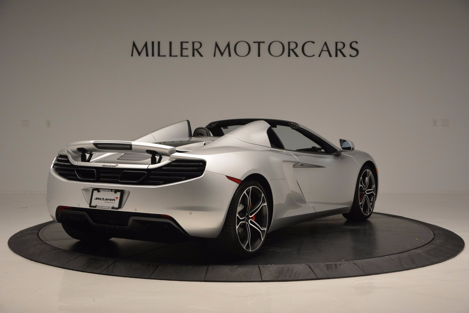 Used 2014 McLaren MP4-12C Spider  For Sale In Westport, CT 627_p7