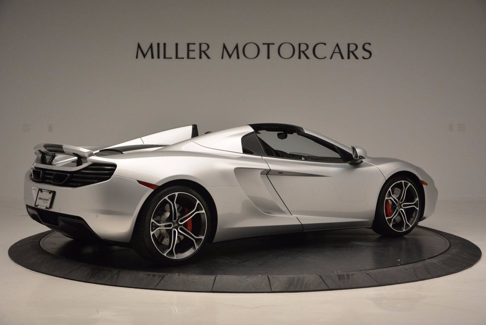 Used 2014 McLaren MP4-12C Spider  For Sale In Westport, CT 627_p8