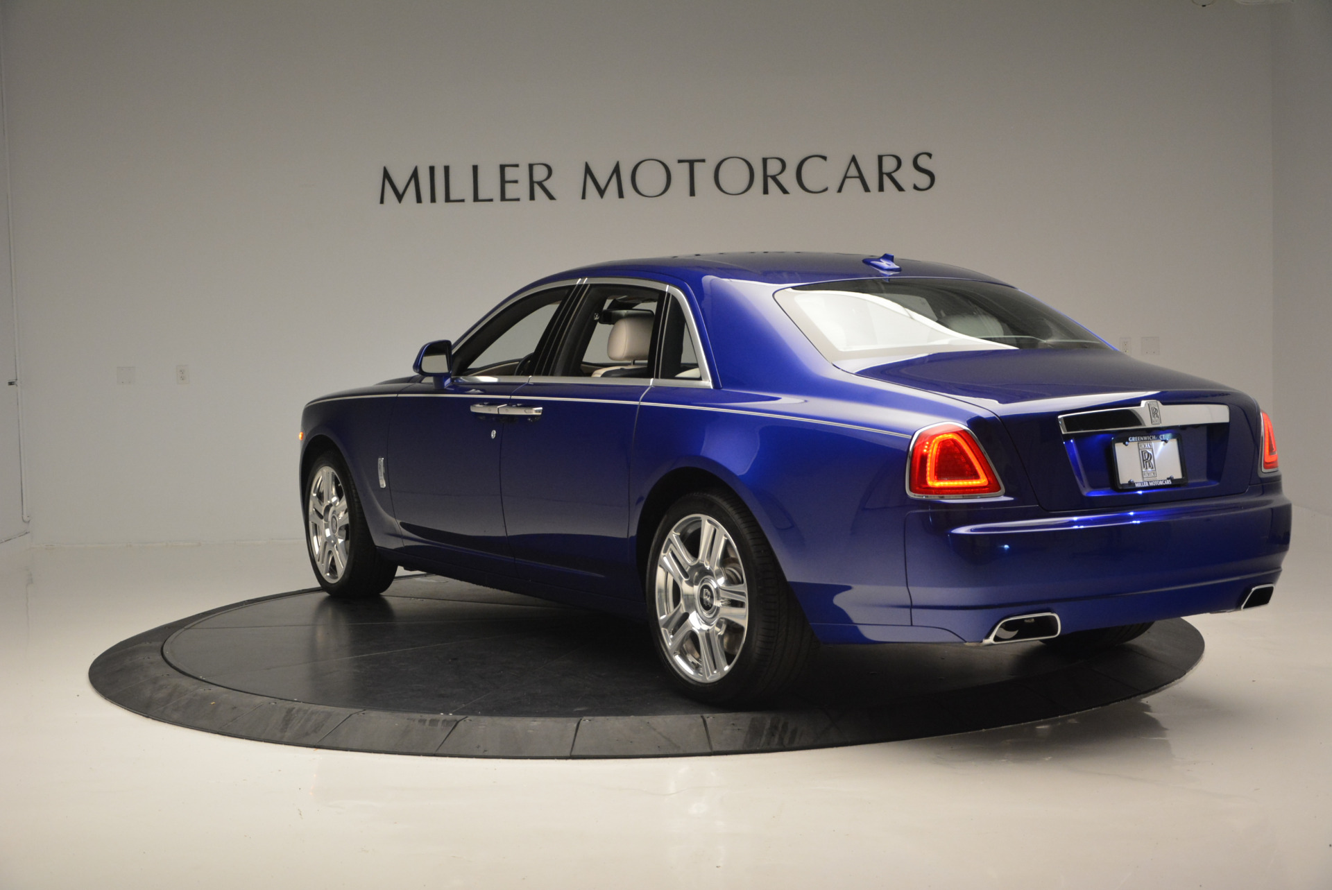 Used 2016 ROLLS-ROYCE GHOST SERIES II  For Sale In Westport, CT 634_p6