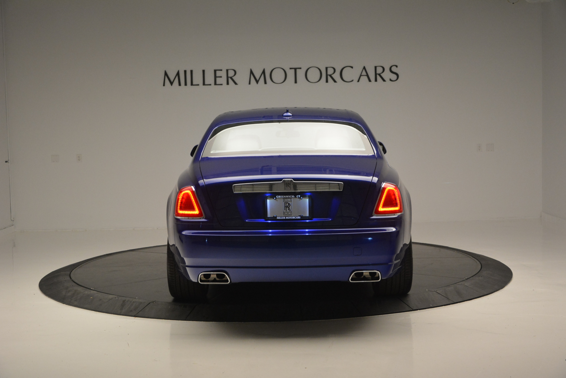 Used 2016 ROLLS-ROYCE GHOST SERIES II  For Sale In Westport, CT 634_p7