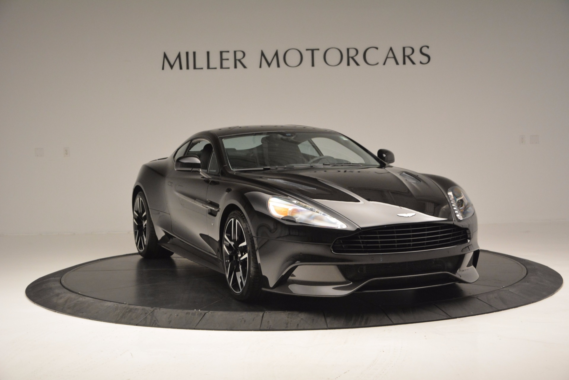 Used 2017 Aston Martin Vanquish Coupe For Sale In Westport, CT 638_p11