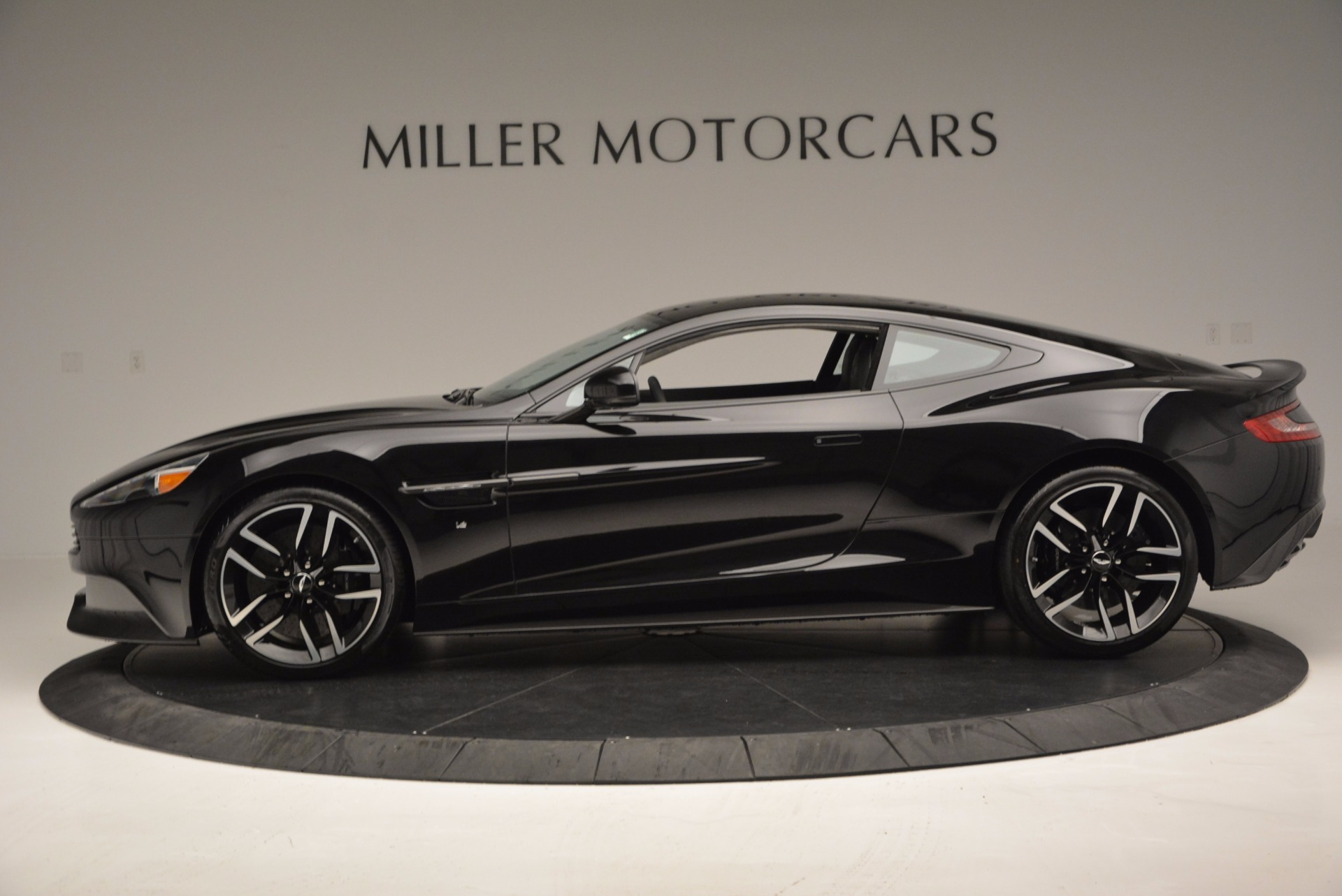 Used 2017 Aston Martin Vanquish Coupe For Sale In Westport, CT 638_p3