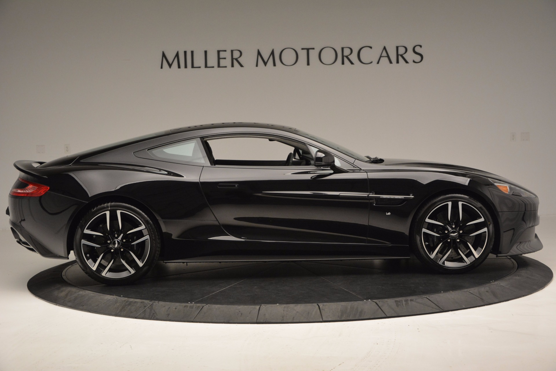 Used 2017 Aston Martin Vanquish Coupe For Sale In Westport, CT 638_p9