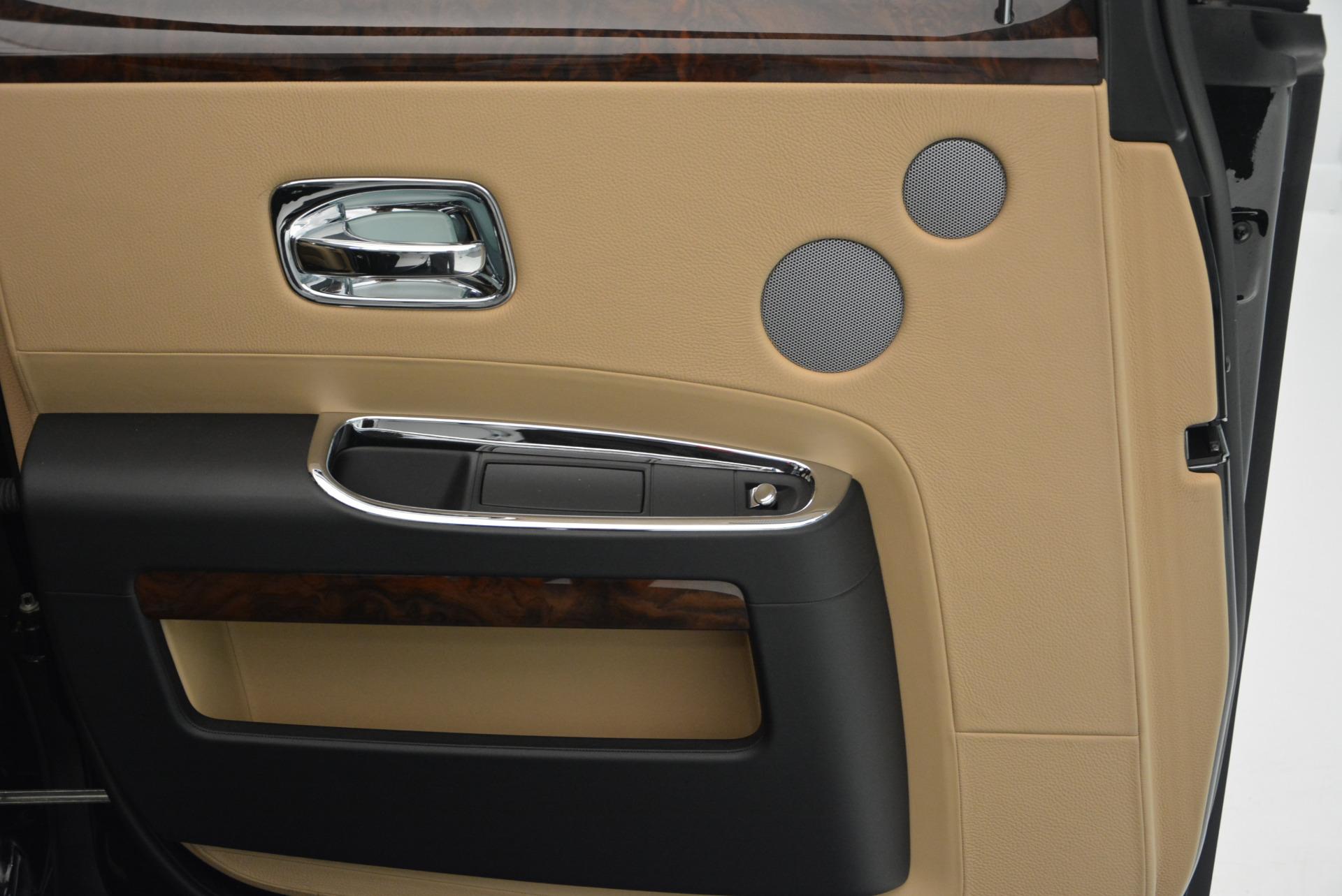 Used 2011 Rolls-Royce Ghost  For Sale In Westport, CT 648_p21