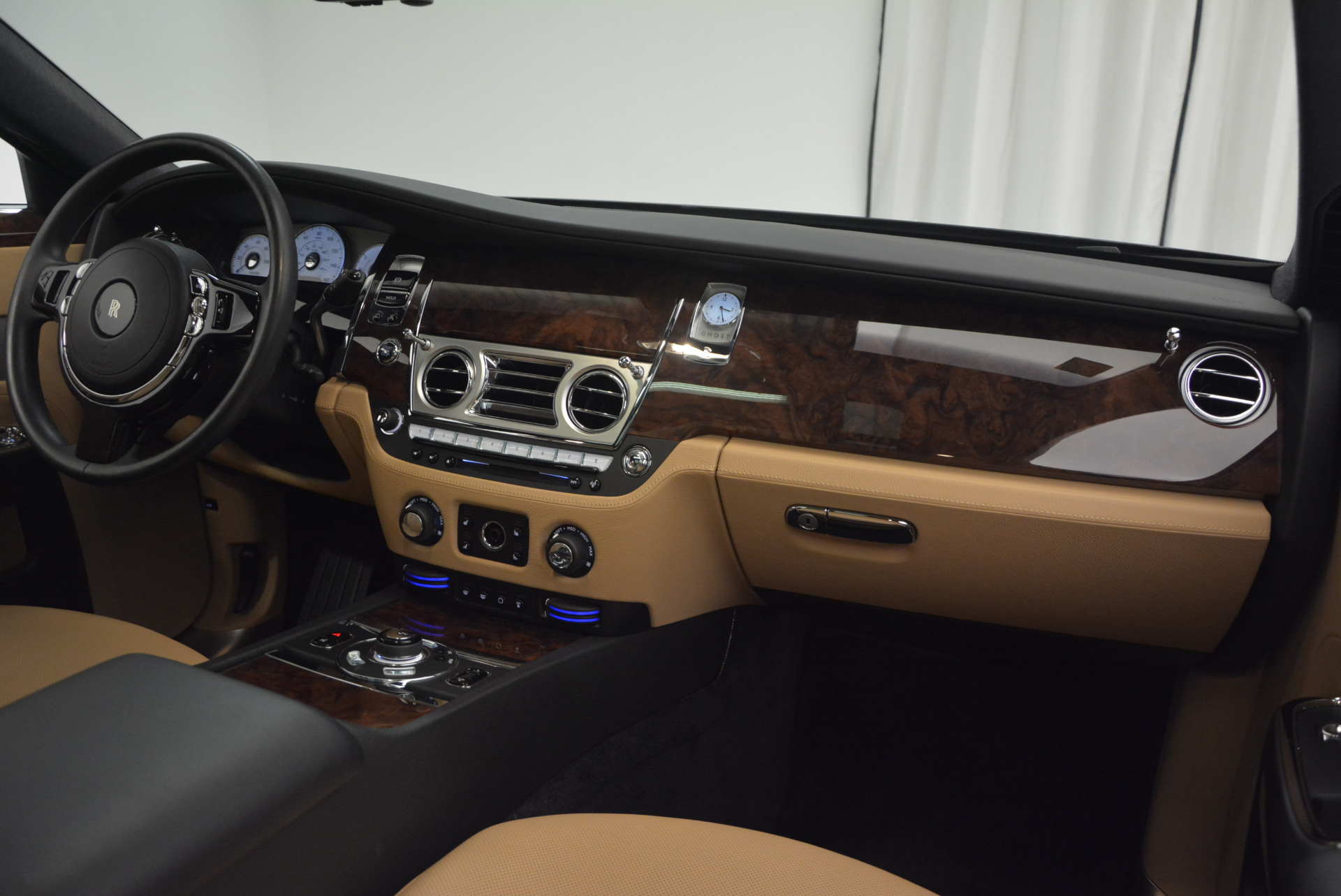 Used 2011 Rolls-Royce Ghost  For Sale In Westport, CT 648_p29