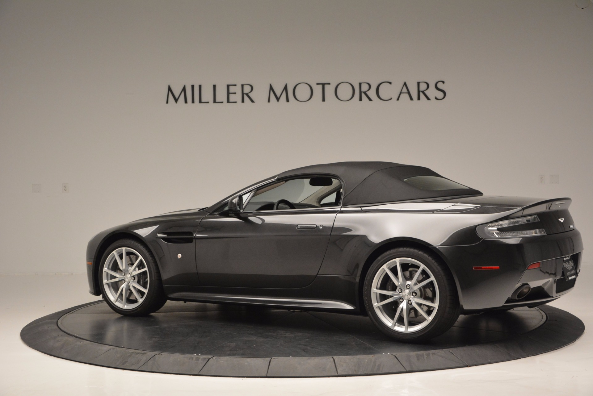 Used 2016 Aston Martin V8 Vantage S Roadster For Sale In Westport, CT 652_p16