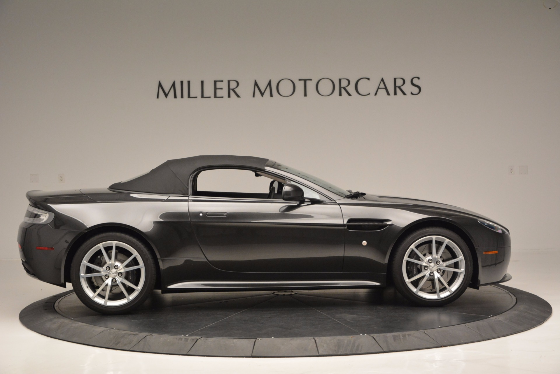 Used 2016 Aston Martin V8 Vantage S Roadster For Sale In Westport, CT 652_p21