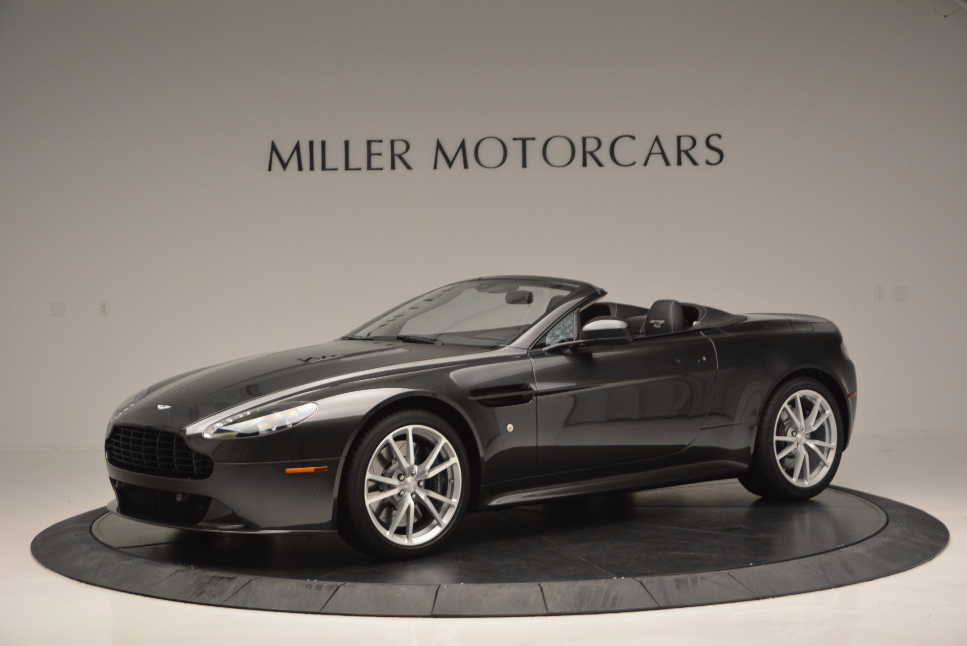 Used 2016 Aston Martin V8 Vantage S Roadster For Sale In Westport, CT 652_p2