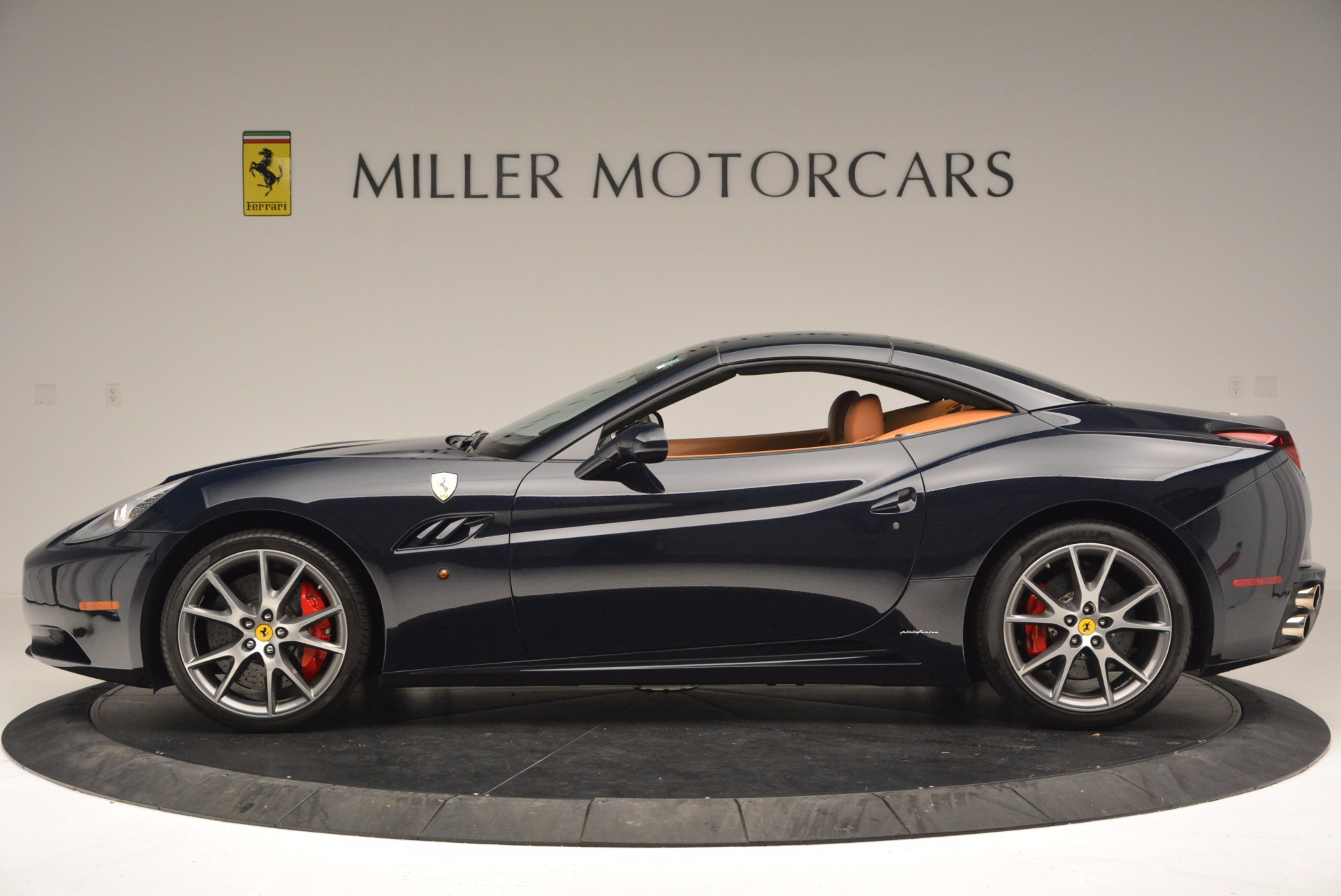 Used 2010 Ferrari California  For Sale In Westport, CT 659_p15
